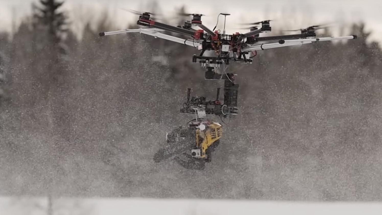 Video: Denne motorsag-dronen skal du ikke spøke med