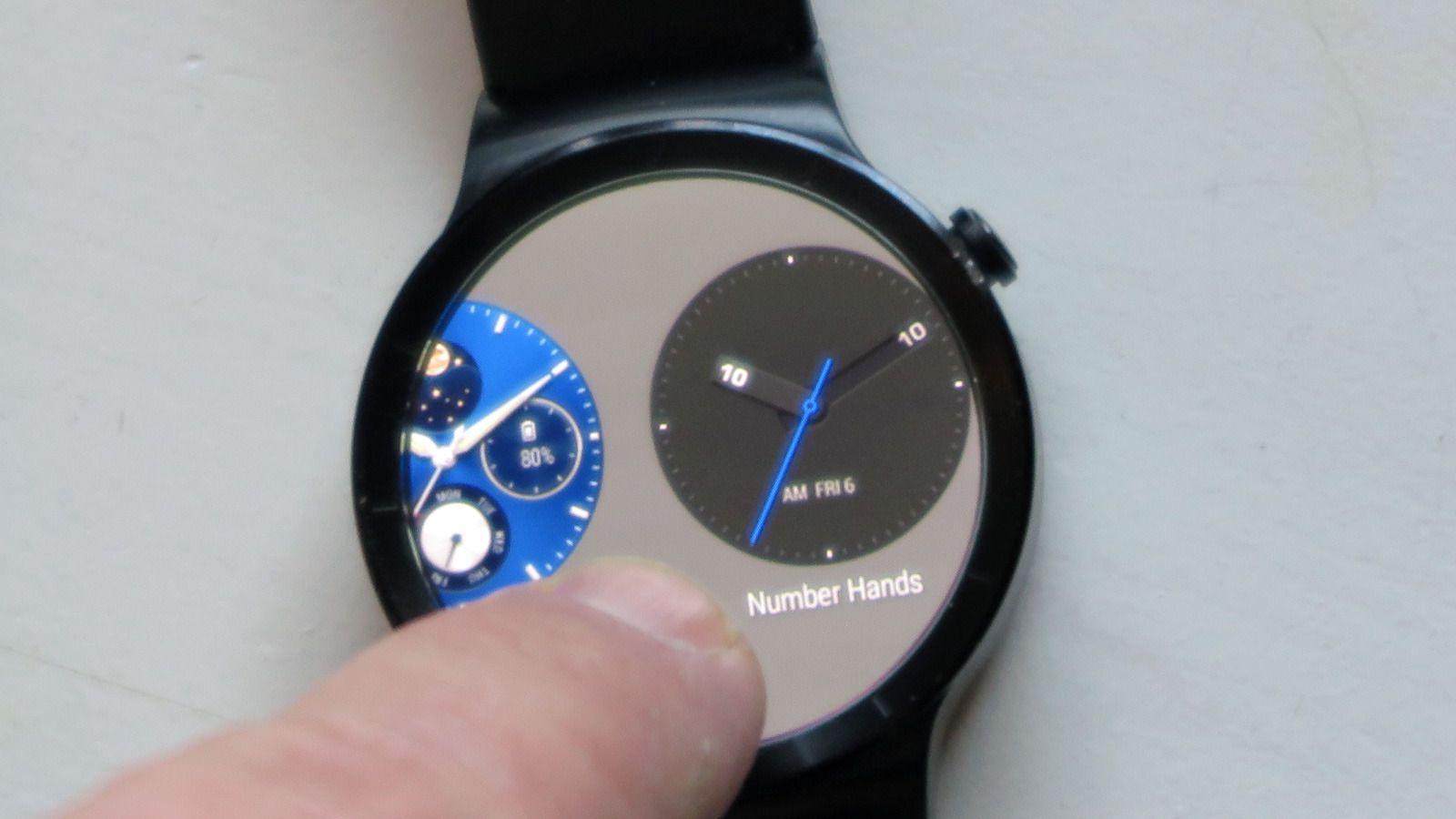 Trykk og trekk, og du har en helt «ny» klokke. Foto: Espen Irwing Swang, Tek.no