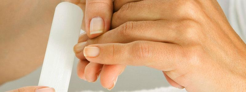 Det gäller att vara varsam med sina naglar om man vill undvika problem.