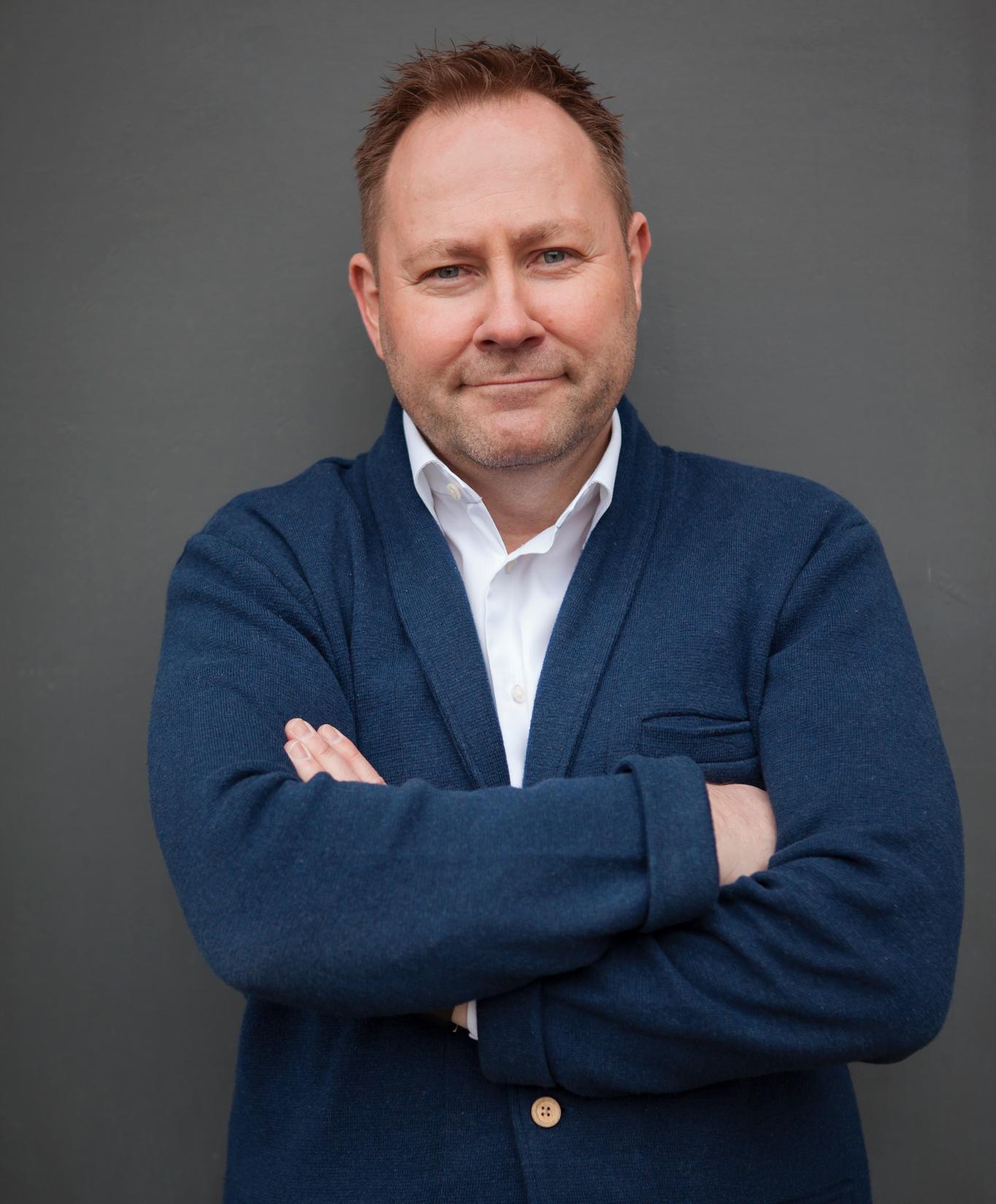 Happybytes-sjef Thomas Sandaker mener Telenor utnytter sin posisjon i markedet.