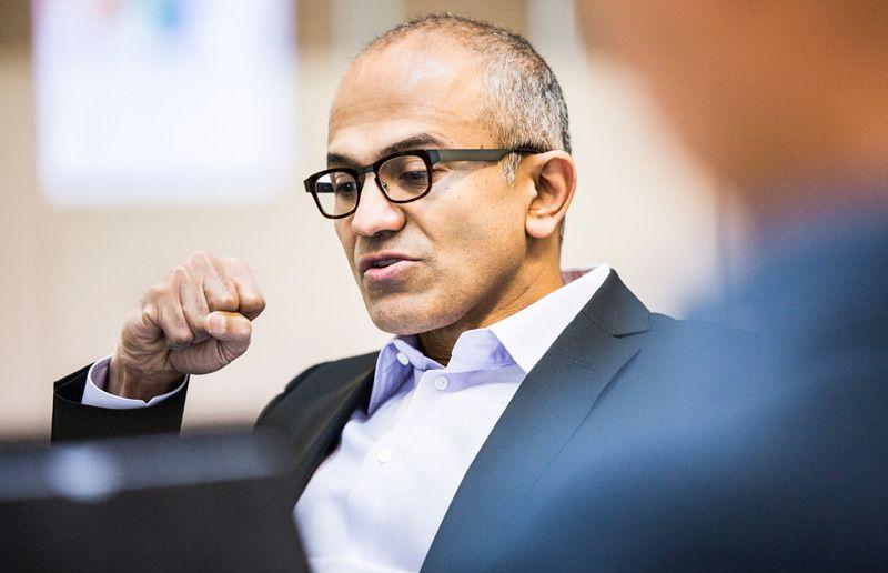 Microsoft-sjef Satya Nadella gjorde Windows 10 gratis for å få fart på mobilsalget. Foto: Microsoft