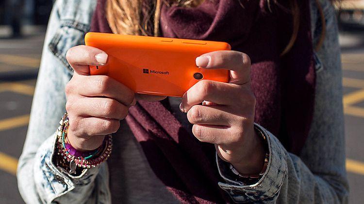 – Windows 10 for telefoner vises frem i januar