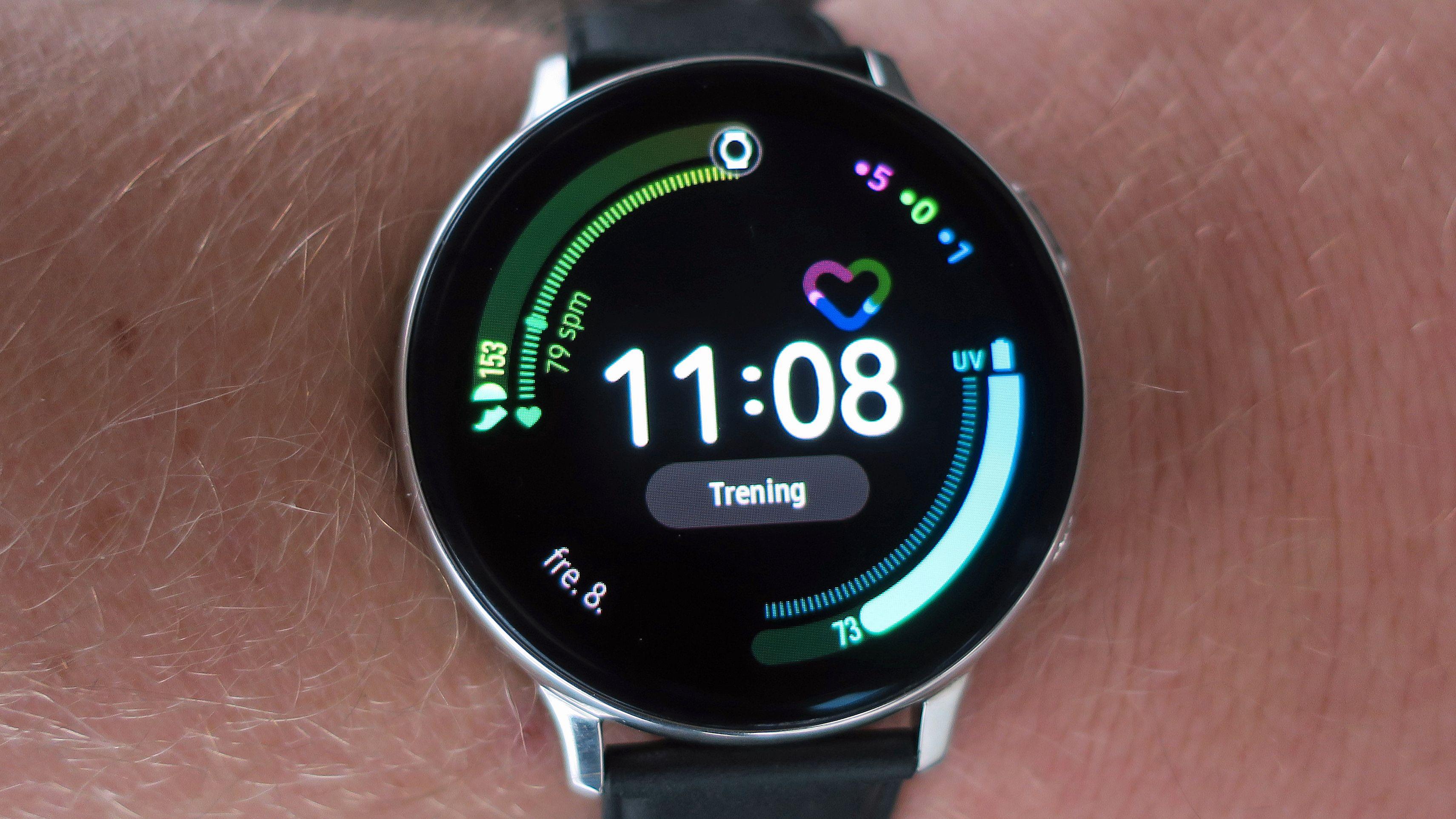 Samsungs nyeste smartklokke minner mye om en vanlig klokke i utformingen.