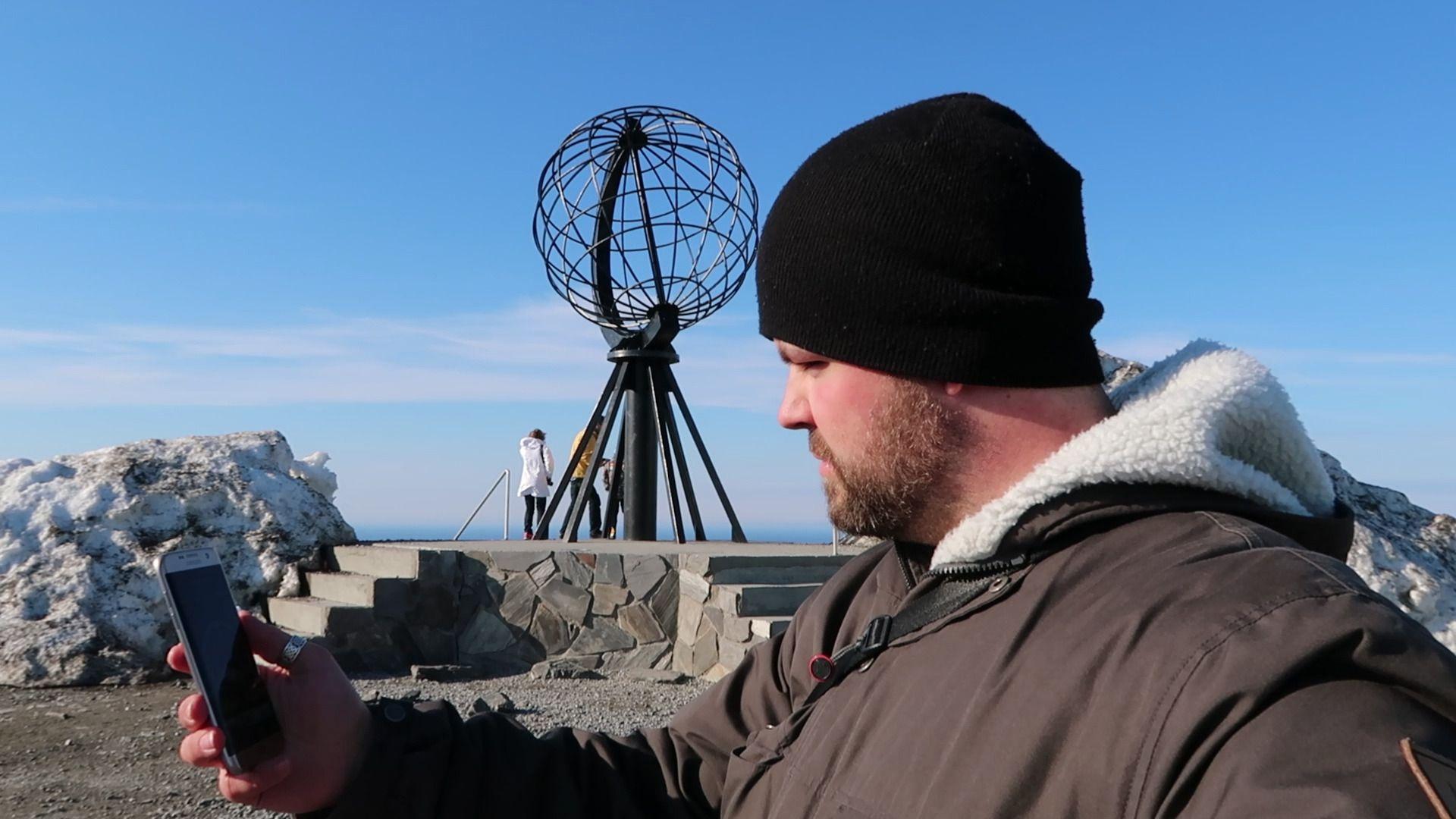 Kristoffer Møllevik testet dekningen i hele Finnmark. Her fra Nordkapp.