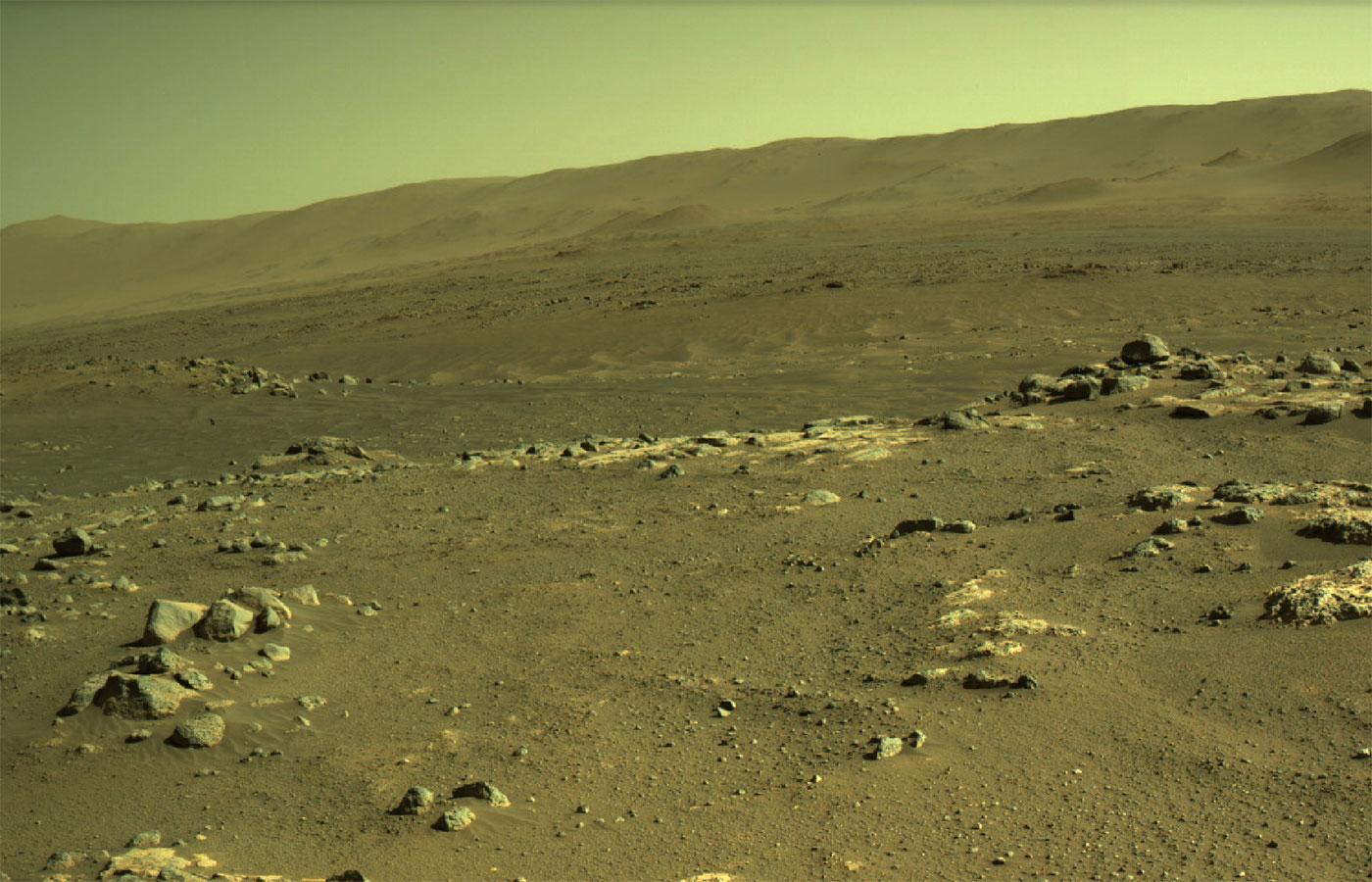 «Séítah»-området på Mars, sett fra roveren Perseverance.