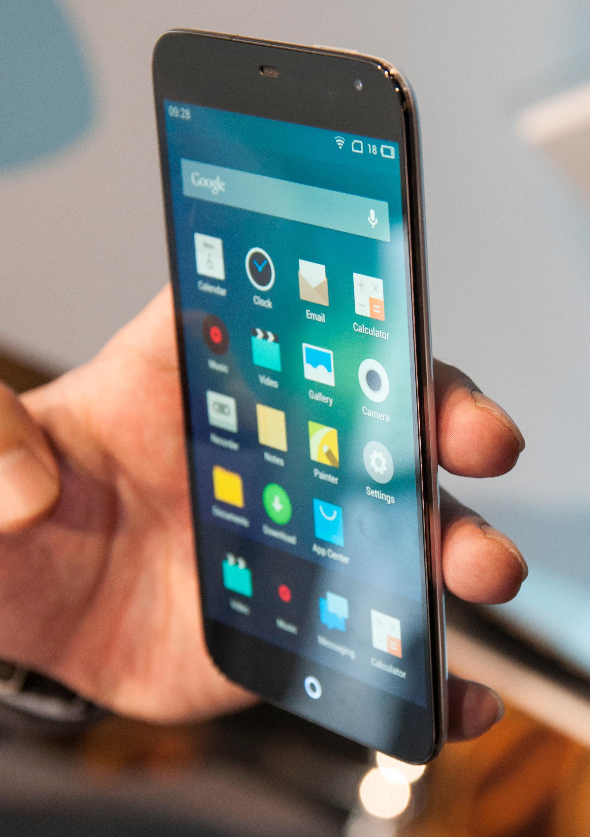 Flyme OS er egentlig kun et skall oppå Android, men Meizu har gjort temmelig store endringer i menyene.Foto: Finn Jarle Kvalheim, Amobil.no