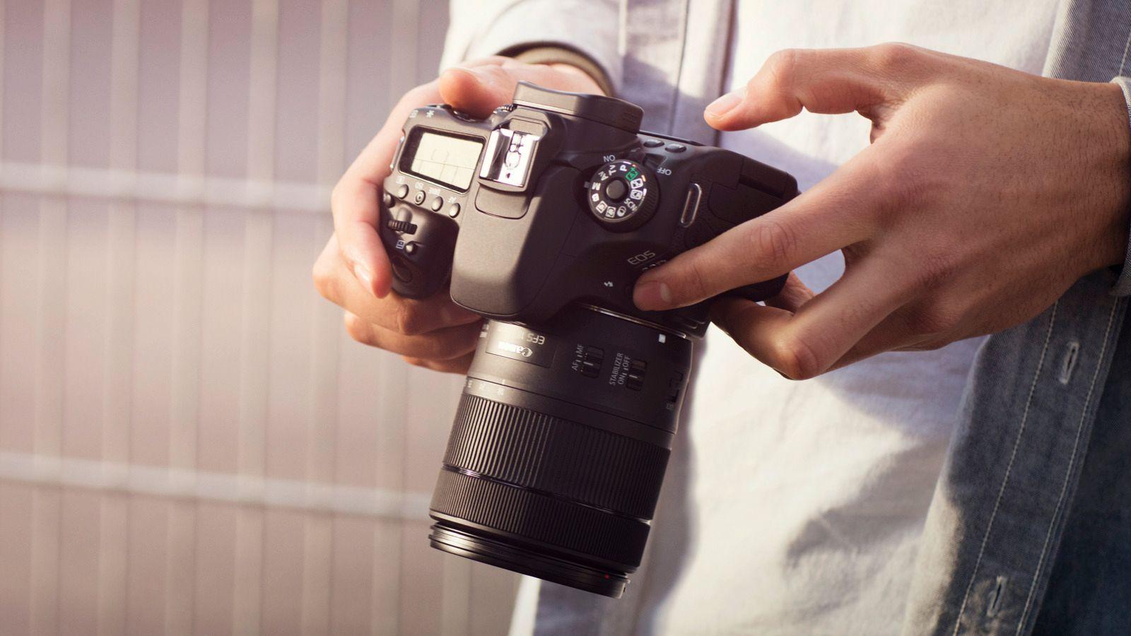 Canons semiproffe speilreflekser er forholdsvis store, men til gjengjeld er de også noen solide arbeidshester.