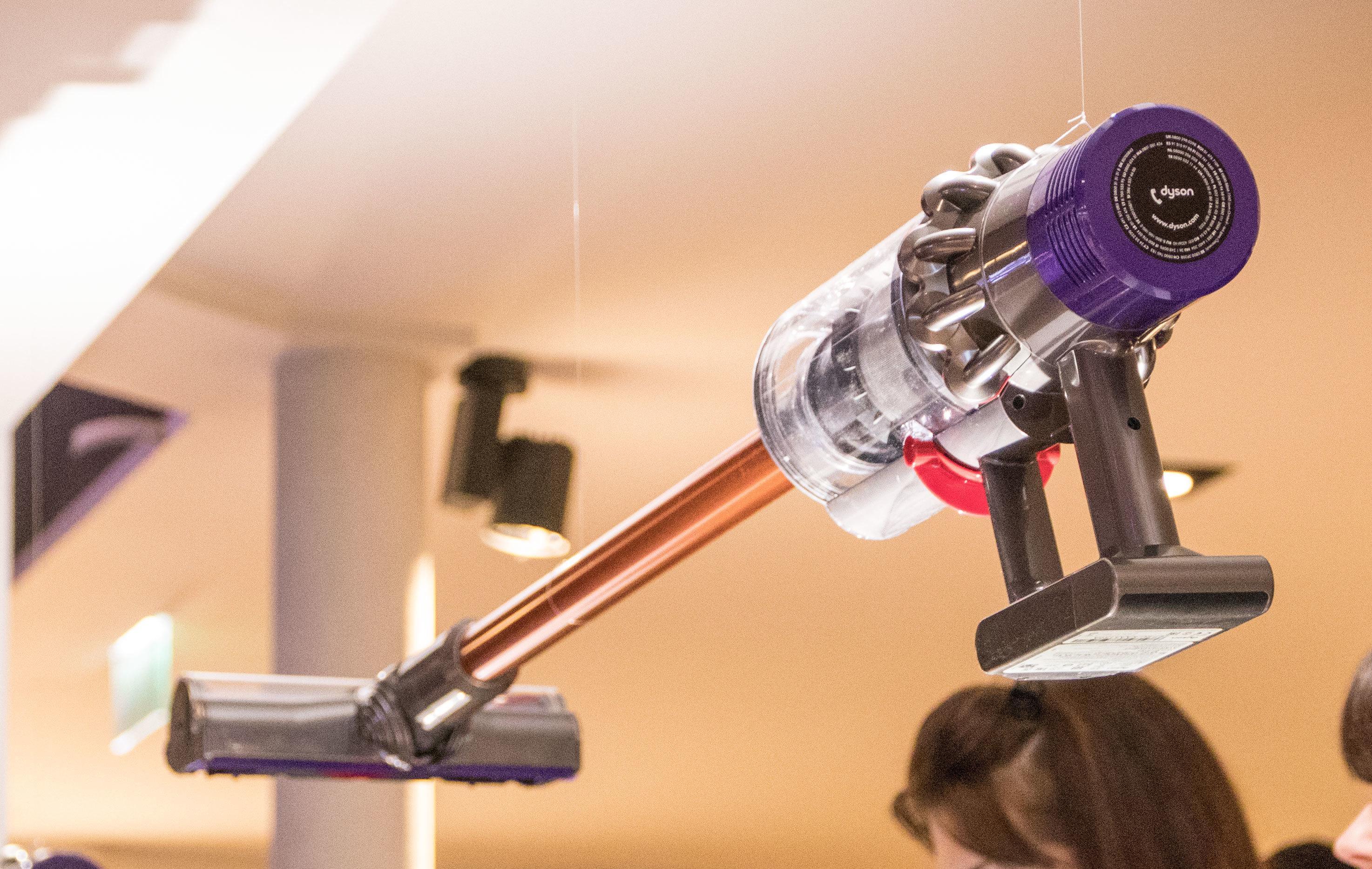 Sugekraften til Dyson V10 skal nå være så god at de stopper utviklingen av nye «tradisjonelle» støvsugere.