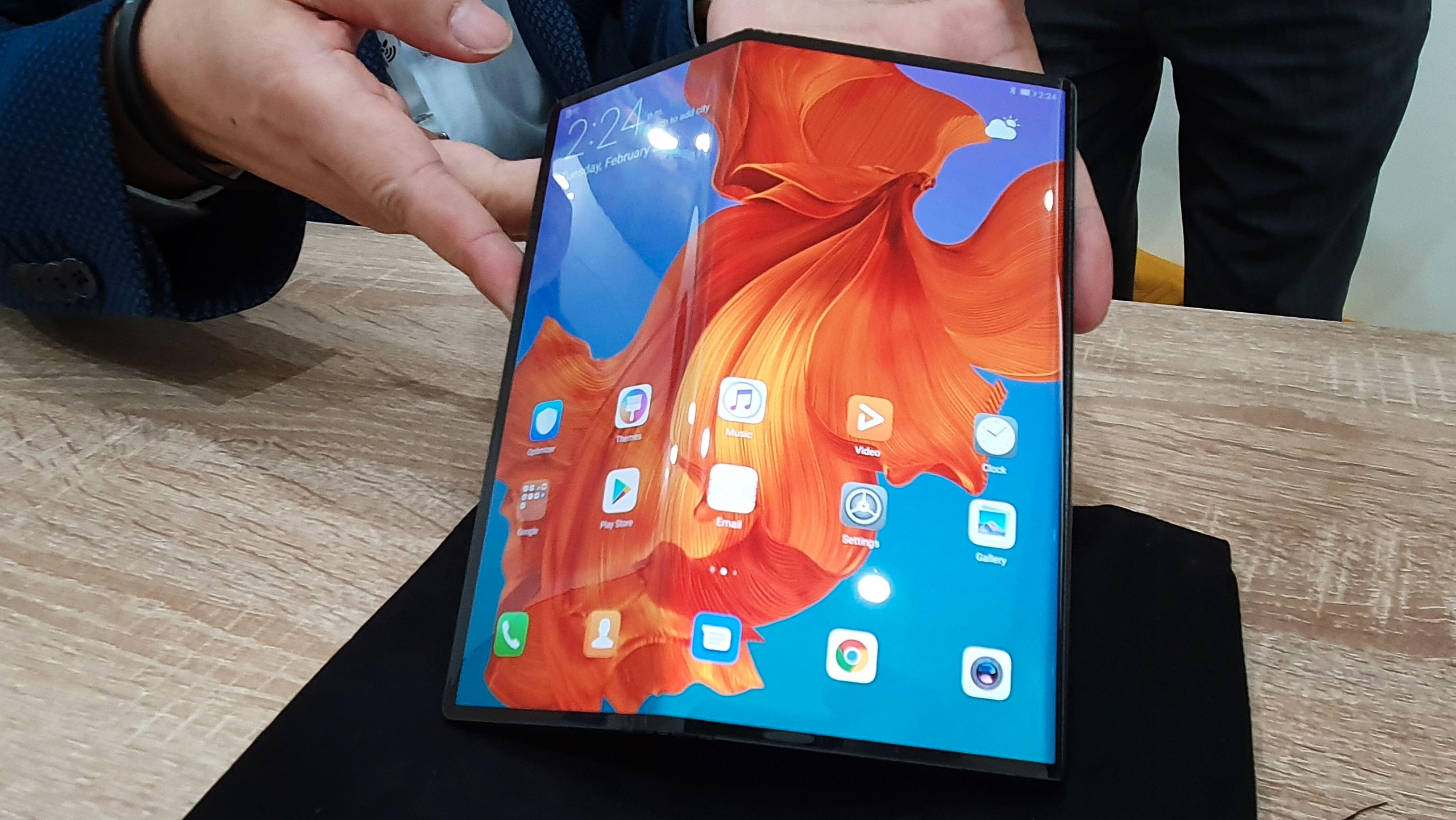 Huaweis Mate X er på vei og blir sannsynligvis Galaxy Folds nærmeste konkurrent. Etter planen skal Huaweis brettbare telefon slippes på sensommeren.