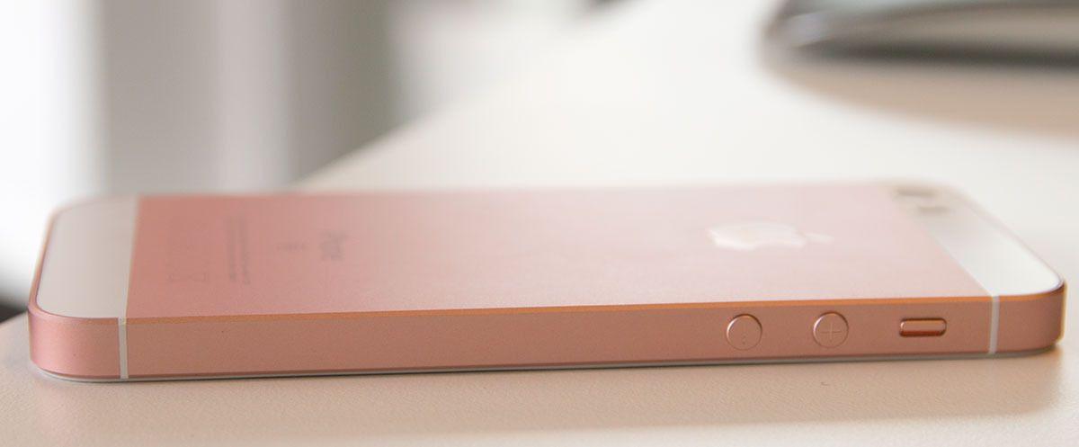 iPhone SE ser kanskje ut som en iPhone 5/5S, men batteriet er annerledes.