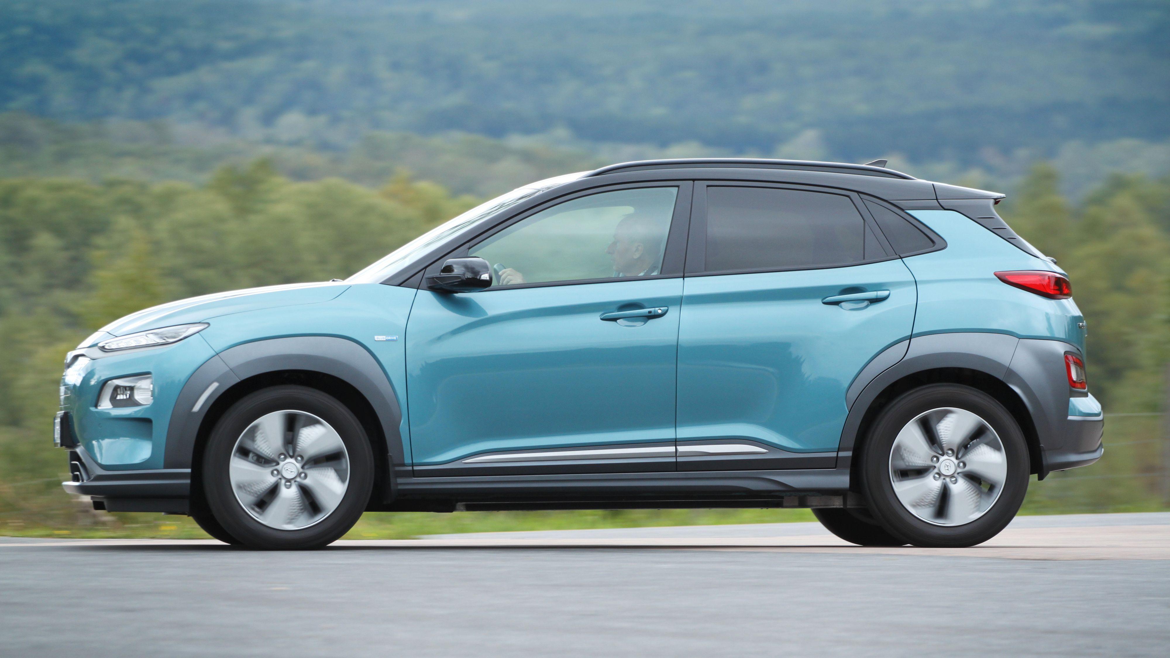 Hyundai lanserer nye og billigere utstyrsversjoner til 2020-modellen av Hyundai Kona Electric. Men den fullt utstyrte modellen blir dyrere.
