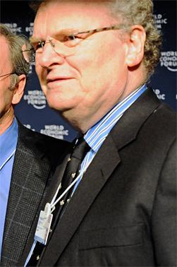 Lite fornøyd: Sir Howard Stringer, toppsjef i Sony. (Foto: Robert Scoble/Wikipedia)