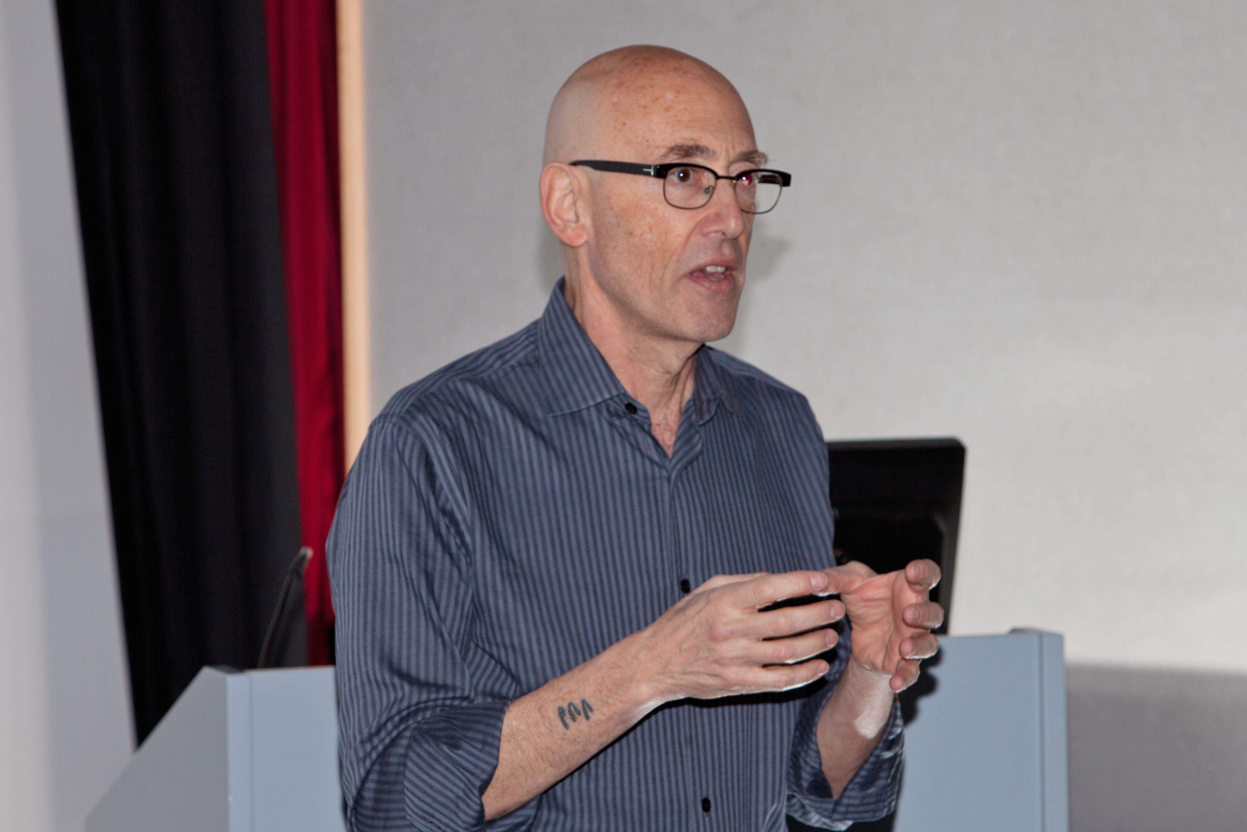 Datapioneren Bob Stein tror framtidens bok blir tredimensjonal.Nordisk Film A/S