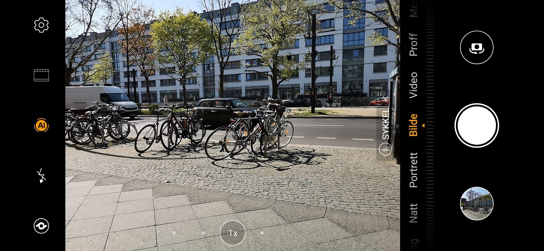 Jepp! P30-modellene kan til og med identifisere sykler ... uten at jeg er helt sikker på hva den egentlig foretar seg for å vise tohjulinger fra sin beste side ...?