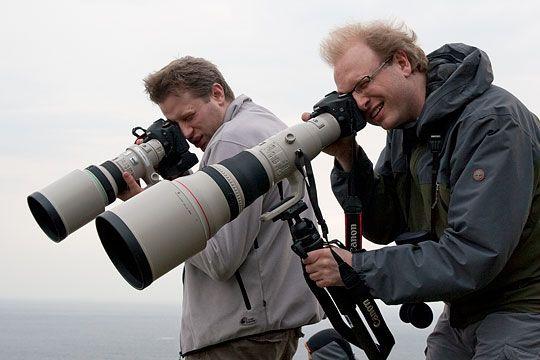 Akam-redaksjonen på fototur. Are med 400 f/4 DO bak og Erik med 800 f/5.6 foran.