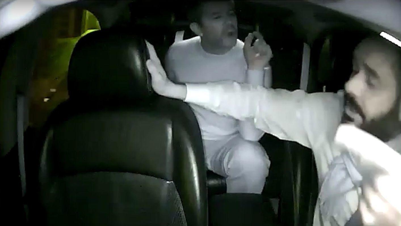 Her krangler Uber-toppsjefen med en av sine egne sjåfører