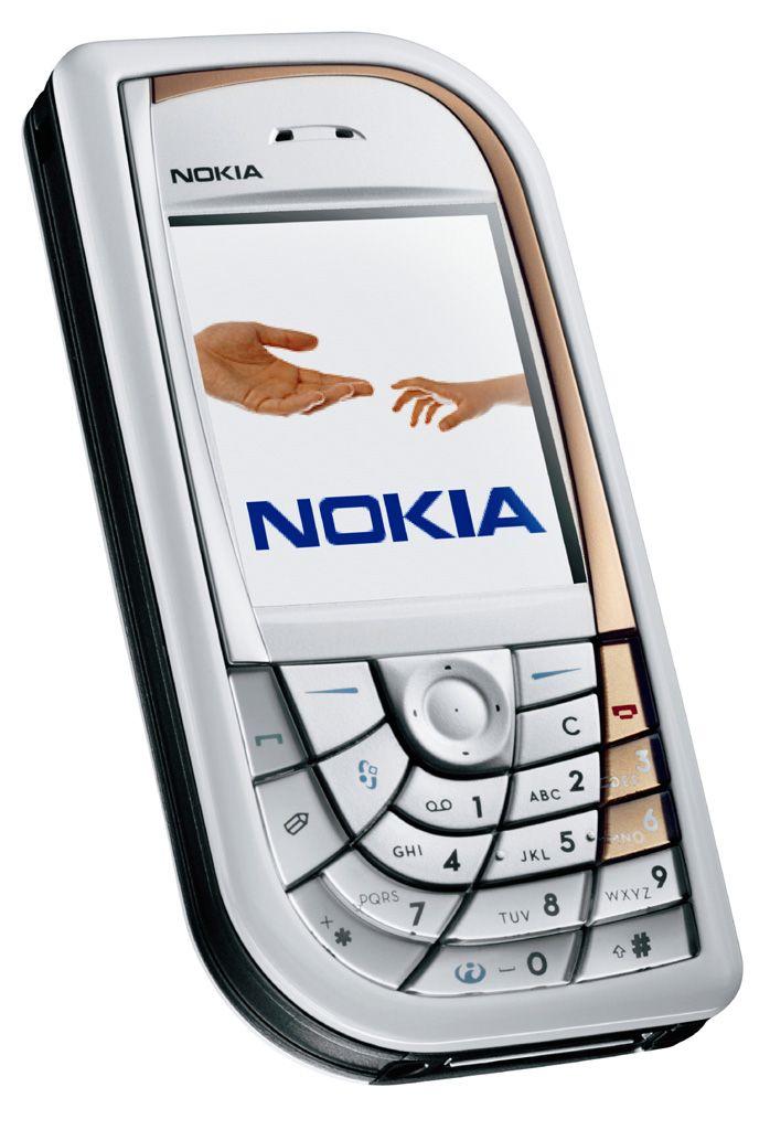 Nokia 7610 er også et designeksperiment fra Nokia. Dette fungerte relativt greit, til tross for de uvanlige tastene.