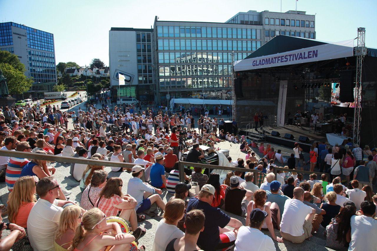 250 000 besøkende inntar landets mathovedstad under festivalen. I år arrangeres Gladmat mellom 19 – 22. juli.