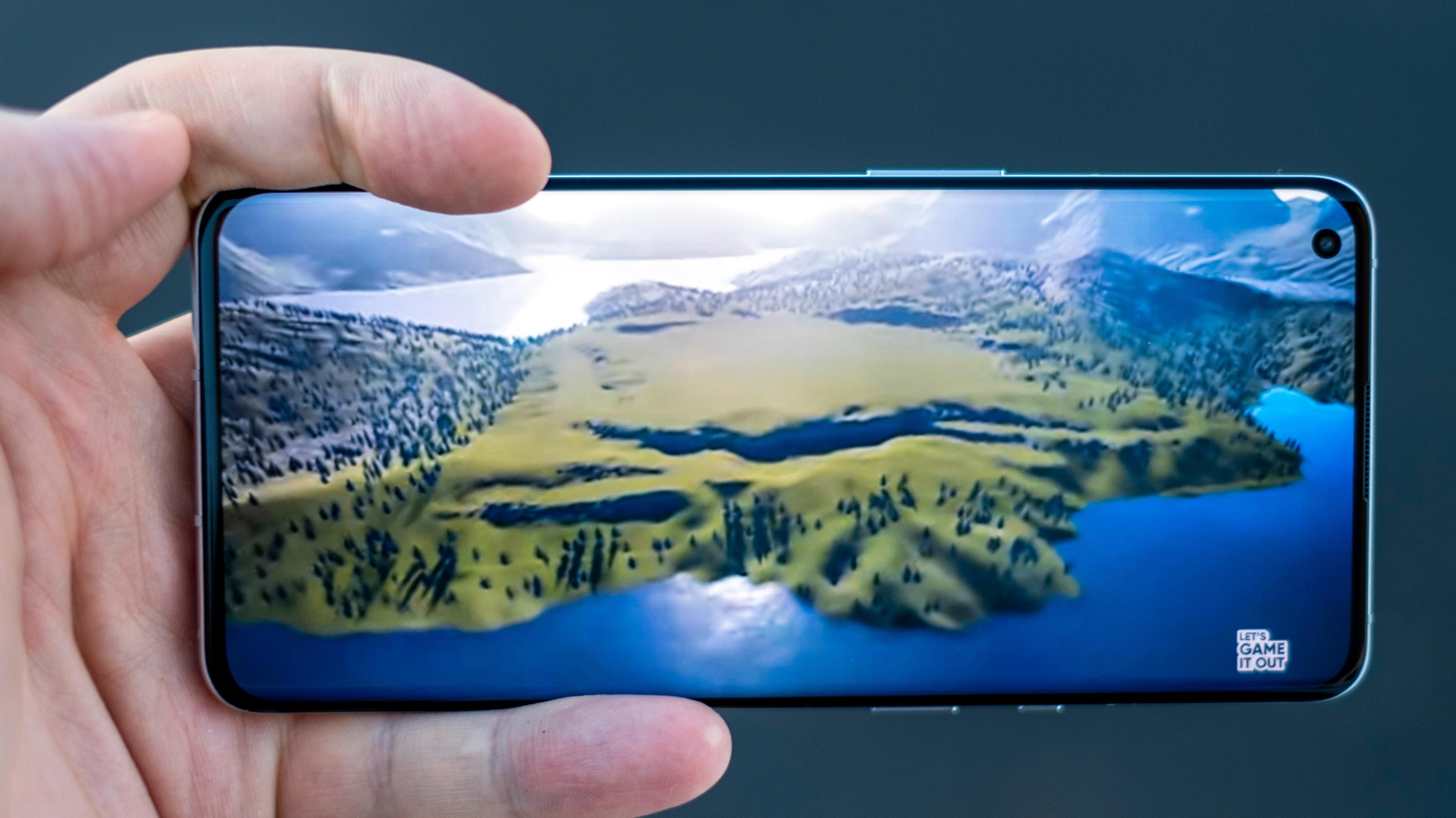 En utmerket skjerm hører til. OnePlus var blant de første som satset på raske skjermer - og de gir en meget god opplevelse når du spiller eller ser på film. Også helt vanlig blaing i menyer påvirkes positivt.