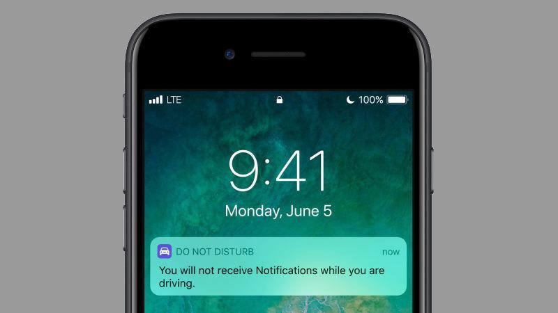 Mobilen skal kunne automatisk skru av varslinger mens du kjører.
