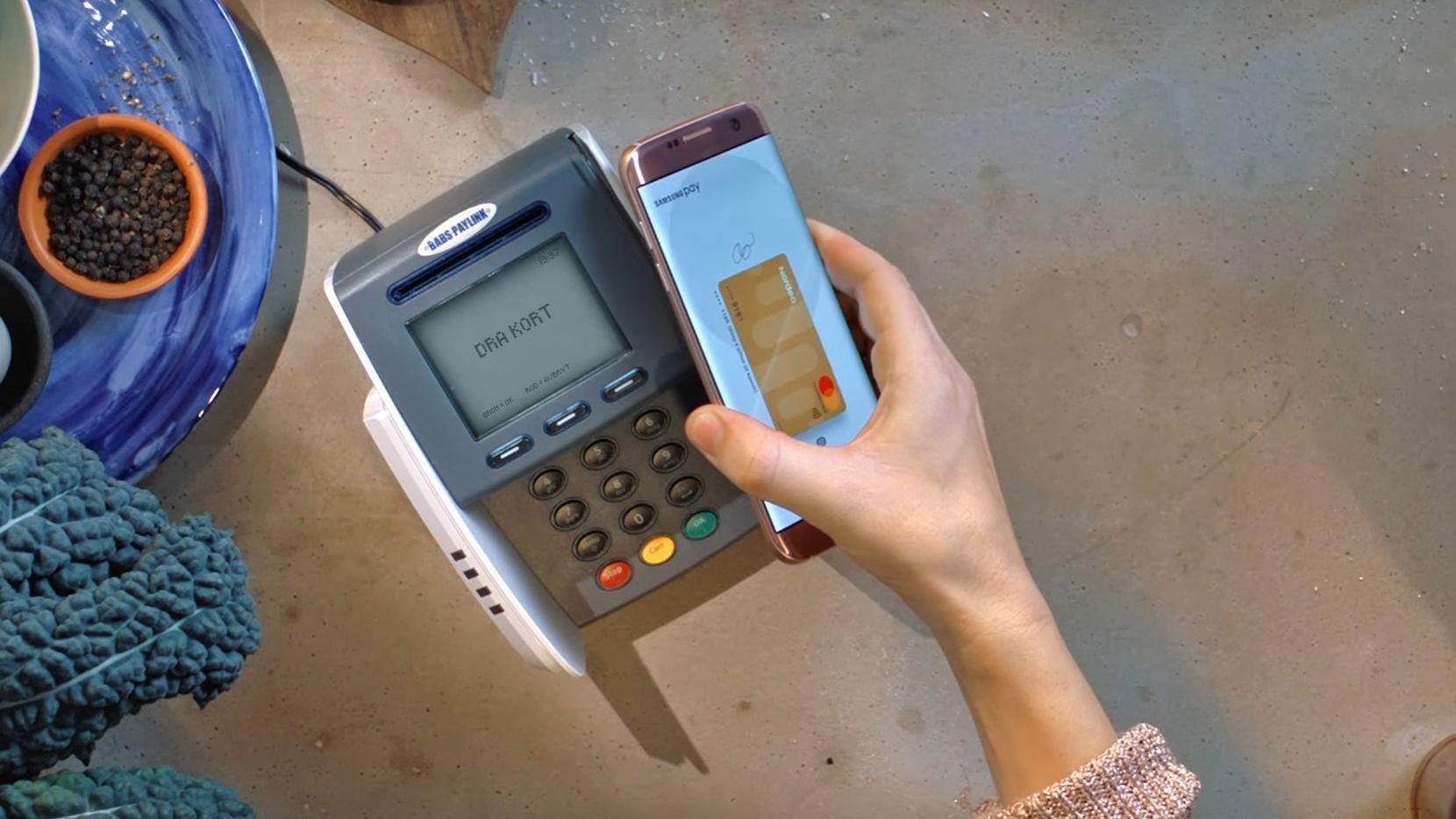 Mobilbetalingsløsninger, som her avbildede Samsung Pay, kommer nå i flere kreative varianter.