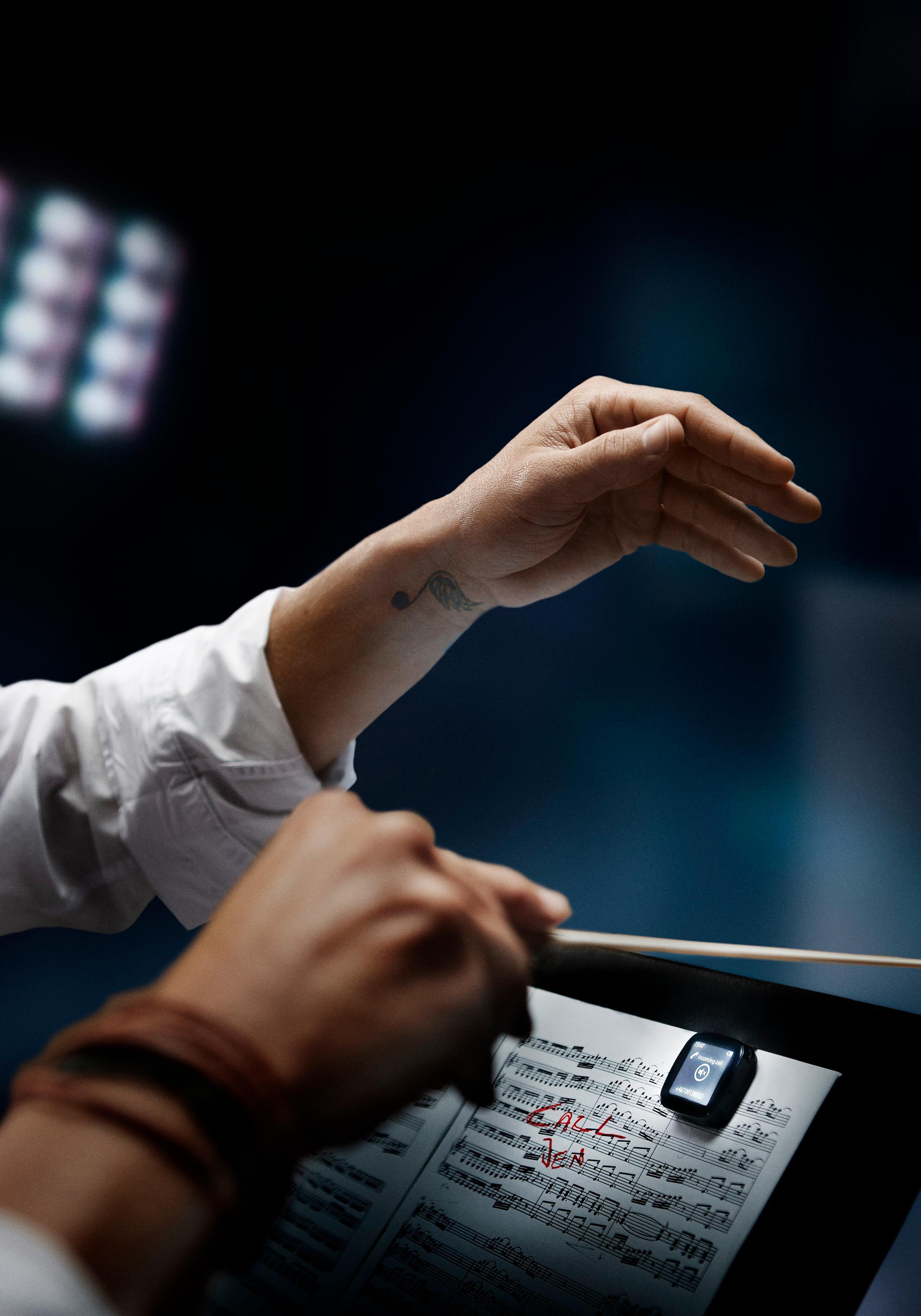 Vanskelig å la Facebook-oppdateringene ligge mens du dirigerer? Da kan Liveview hjelpe deg.