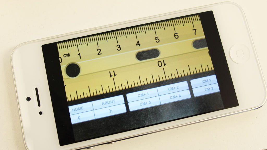 De fleste trefjepartsapplikasjoner klarer ikke å forholde seg til at skjermen er blitt større. Dermed blir det svarte kanter på skjermen.Foto: Espen Irwing Swang, Amobil.no