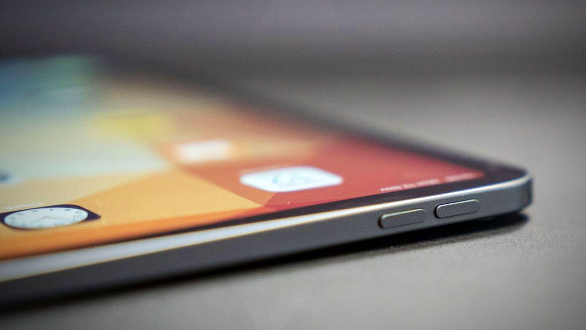 Eksisterende iPad Pro med LCD-teknologi.