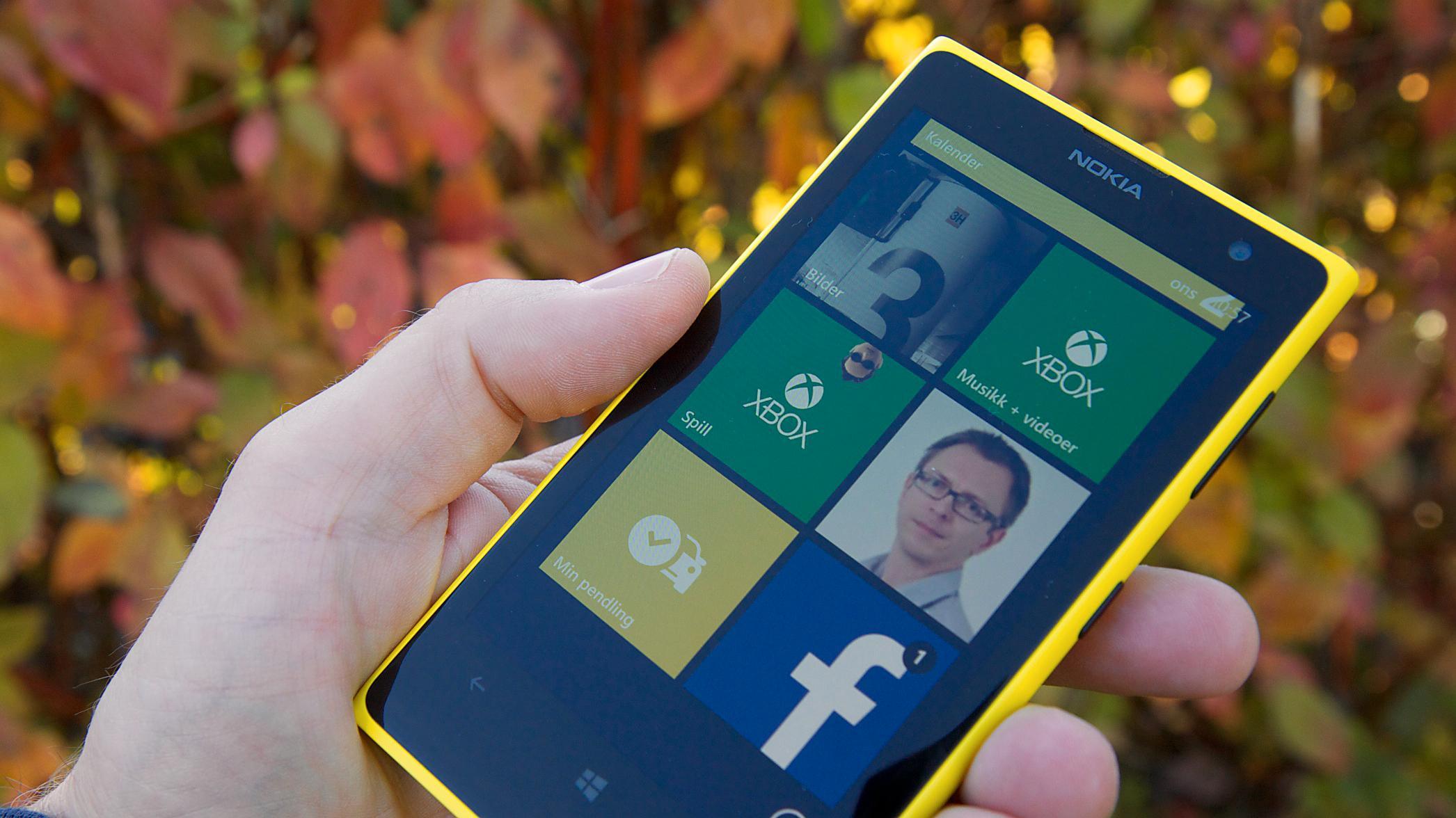 Nokia Lumia 1020 er Nokias flaggskip, og listens beste kameramobil. Den kjører Windows Phone 8, som mangler en del på applikasjonssiden. Les mer.Foto: Kurt Lekanger, Amobil.no