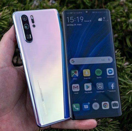 P30 Pro er den siste i rekken av telefoner som har drevet Huawei opp og frem. Men de siste dagene har salget slakket av flere steder, inkludert hos Elkjøp her i Norge.