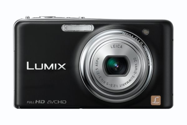 Bitte lite kamera som kan konkurrere med de store.