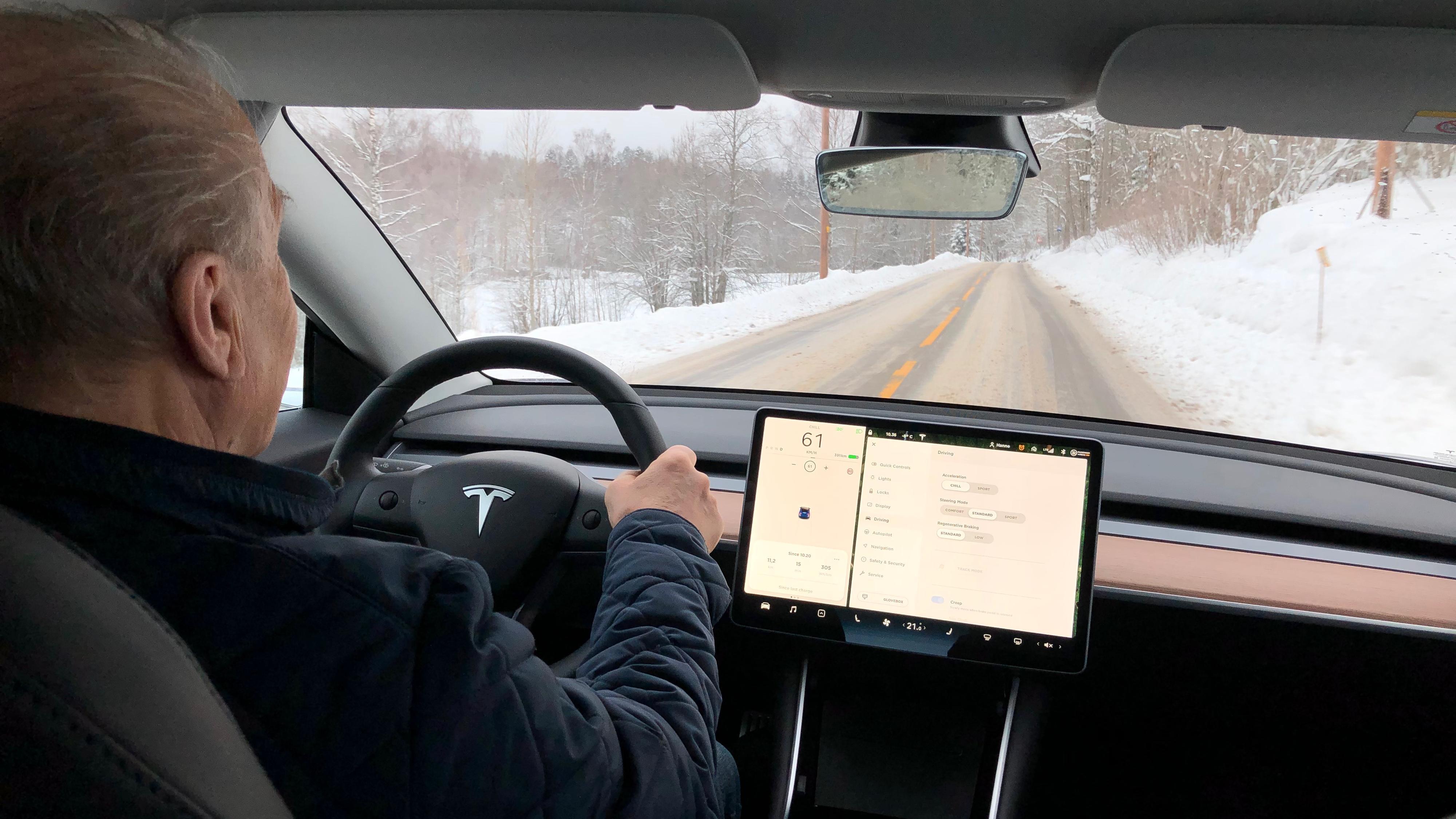Tesla stuper på omdømmebarometer. Knuses av Volvo.