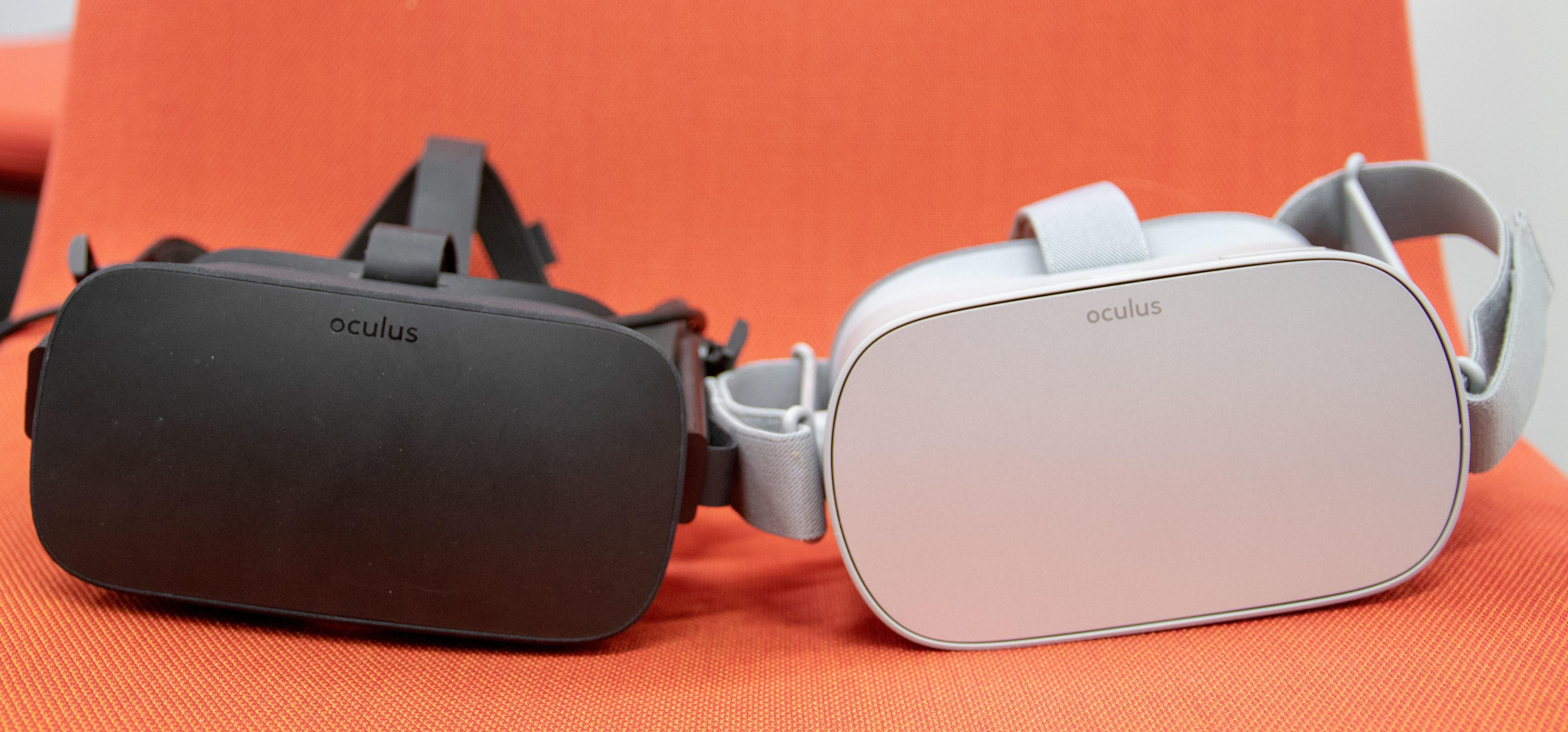 Oculus Rift til venstre, Oculus Go til høyre.