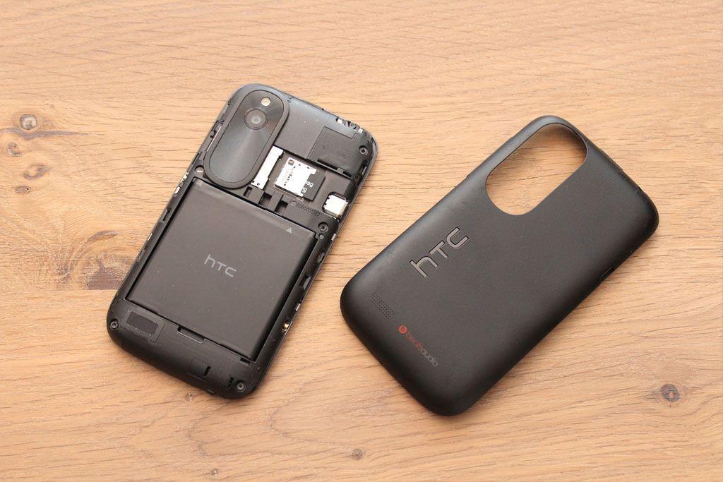 Batteridekselet er avtakbart.Foto: Espen Irwing Swang, Amobil.no