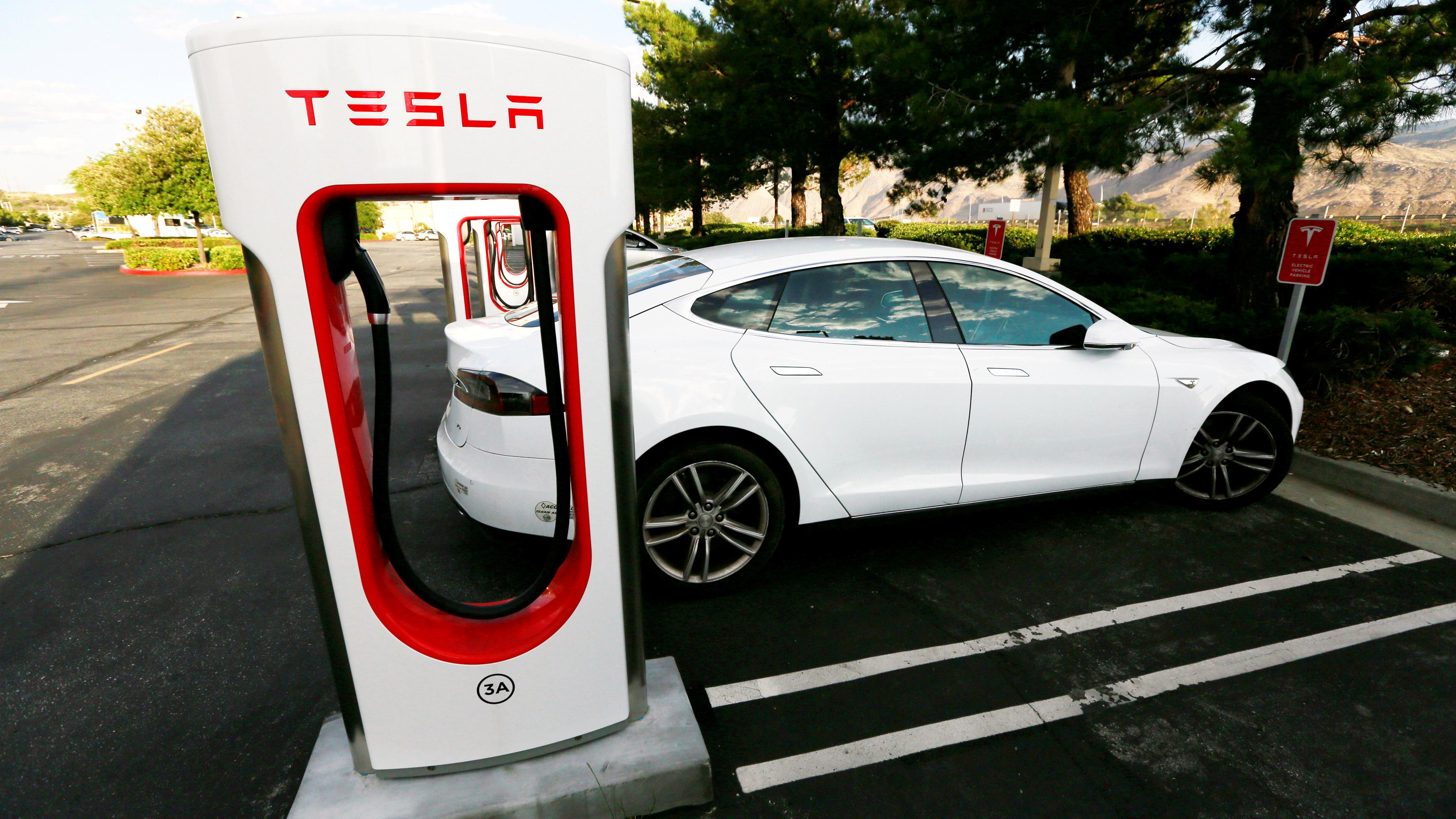 Norsk Tesla-søknad kan bety at Superchargere vil åpnes for andre biler