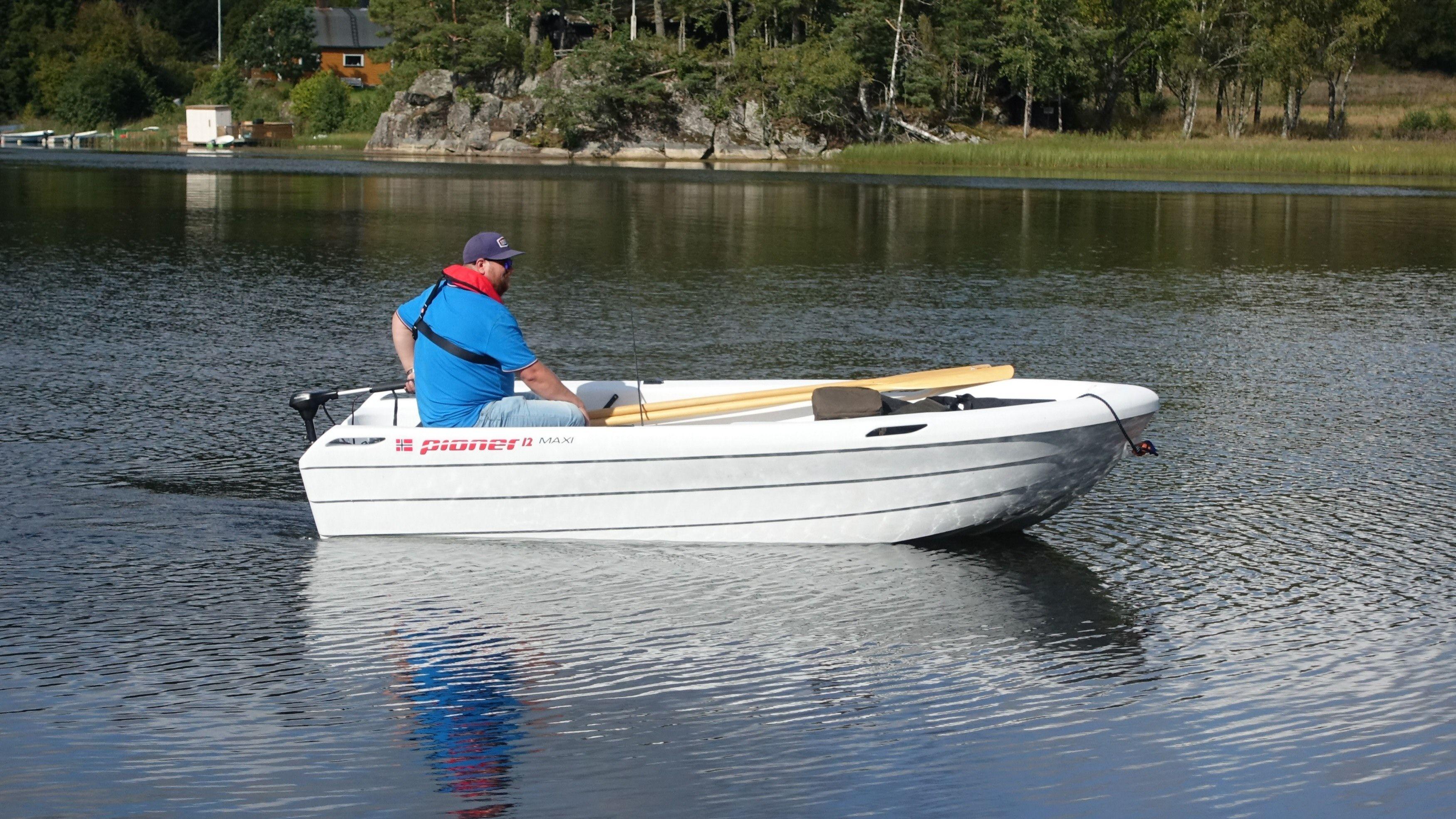 Slik så båten vi testet ut fra siden.