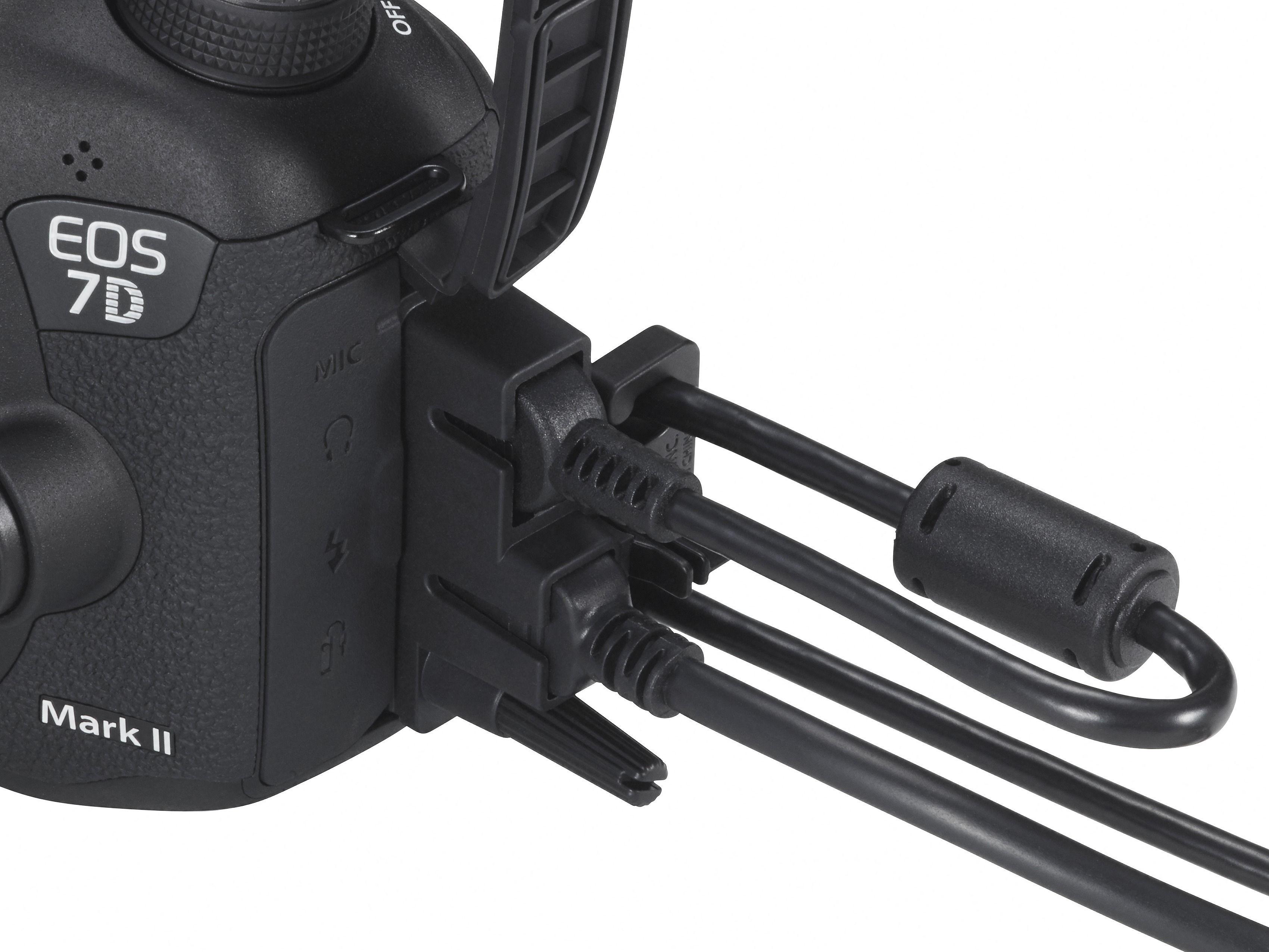 7D Mark II gir deg mange tilkoblingsmuligheter. (Foto: Canon)