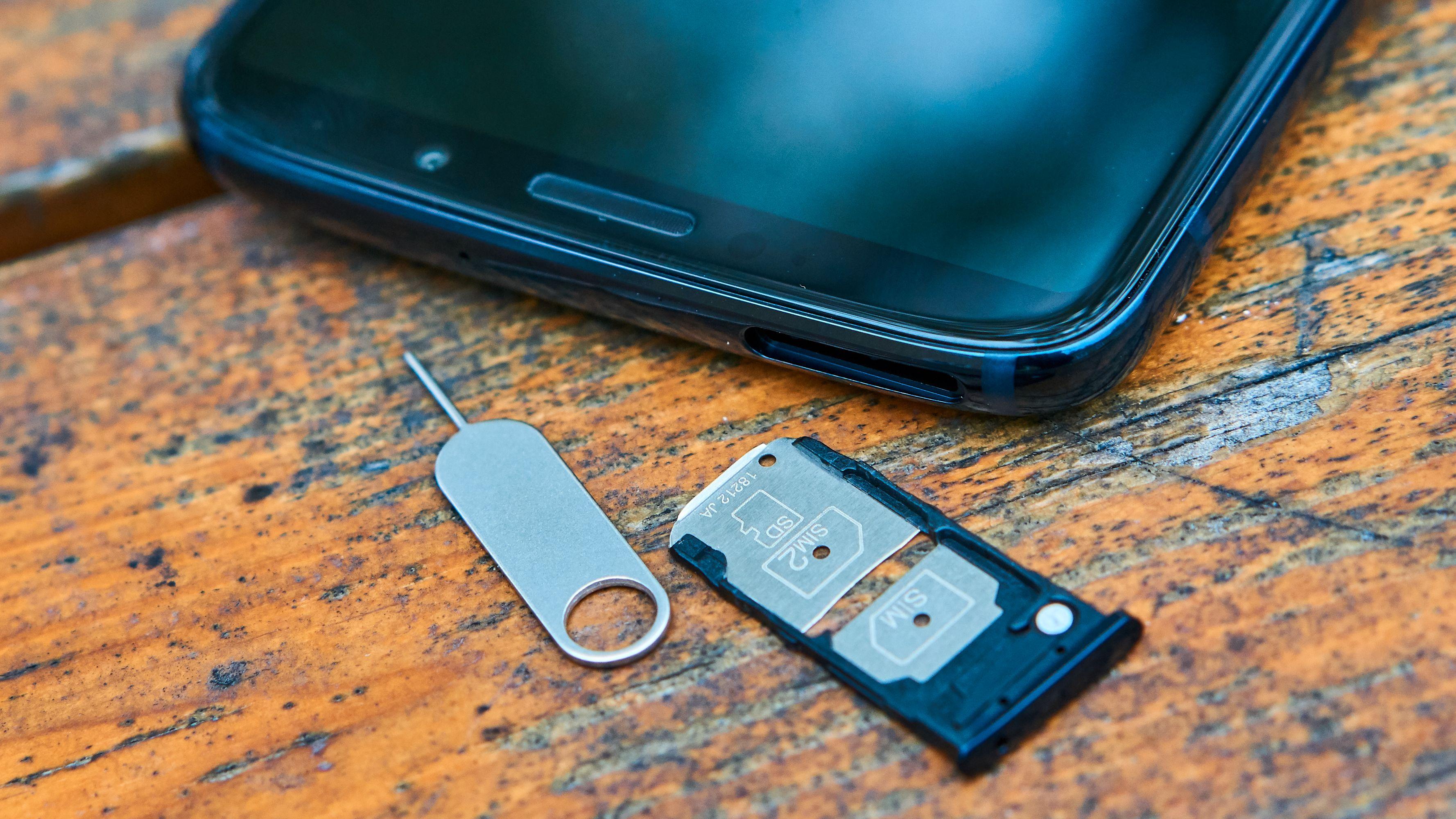 Tvilling-SIM eller ett SIM og minnekort – valget er ditt.