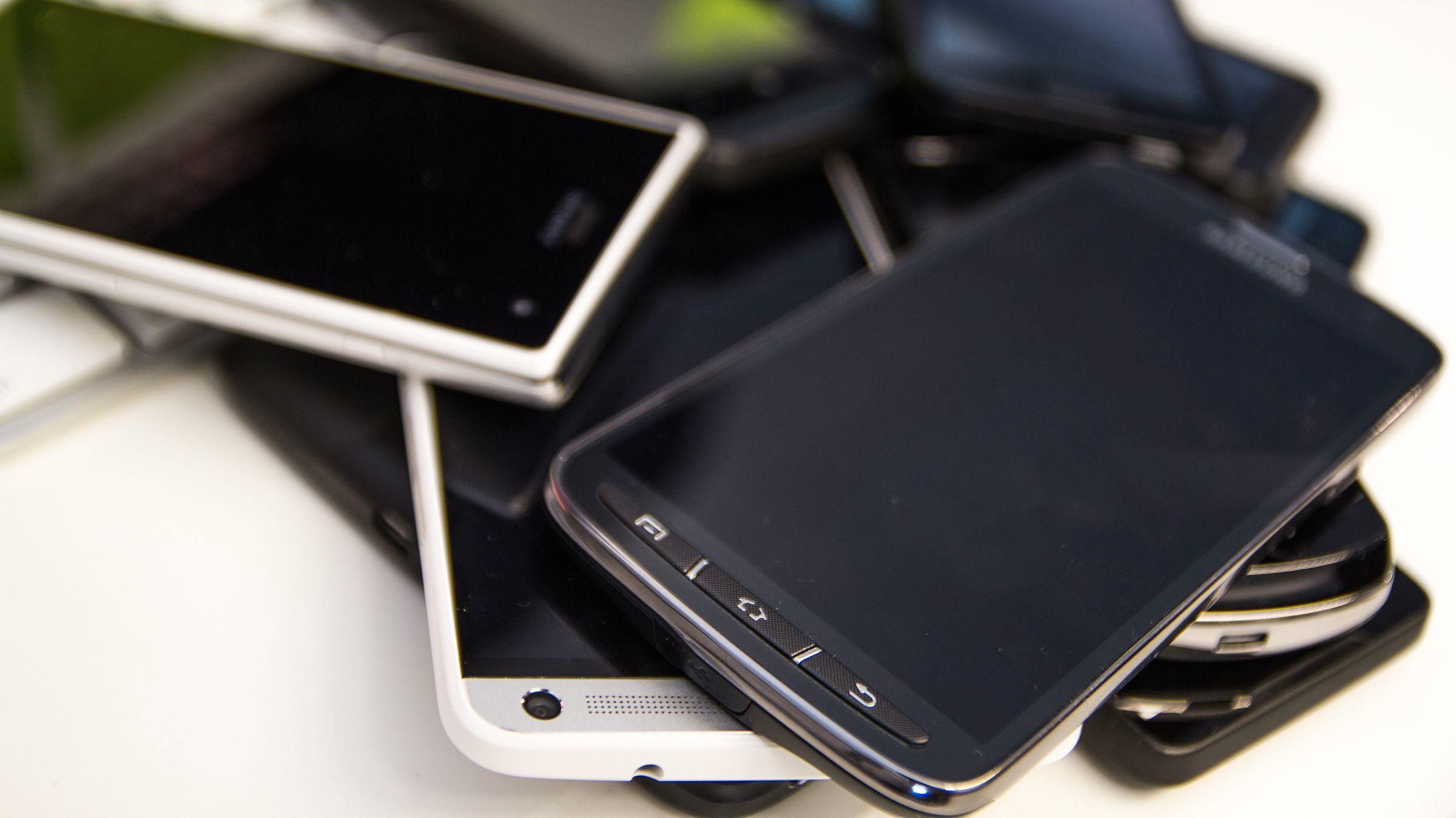Hvem du ringer, sender meldinger til, og blir kontaktet av kan røpe mye mer enn du tror.Foto: Varg Aamo, Hardware.no
