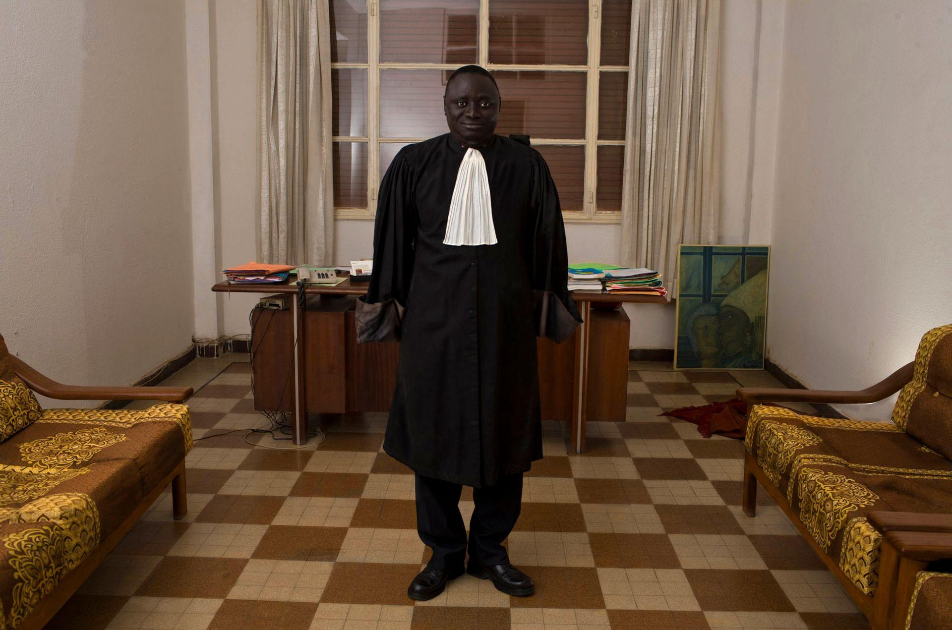 Advokat Fagbemi Lateef, slik De Middel ser ham for seg.Foto: Cristina De Middel