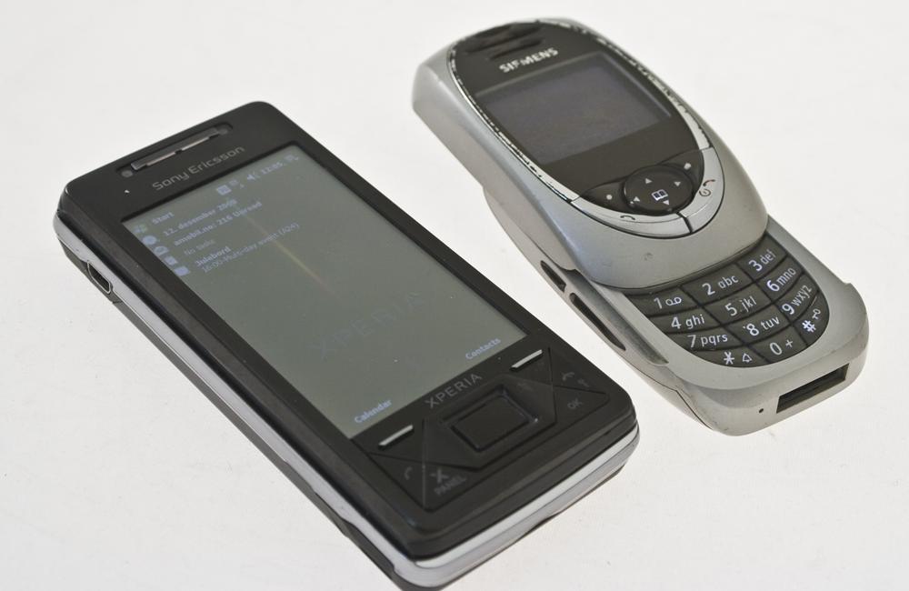 Sammenlignet med en av dagens høvdinger, Sony Ericsson Xperia X1.