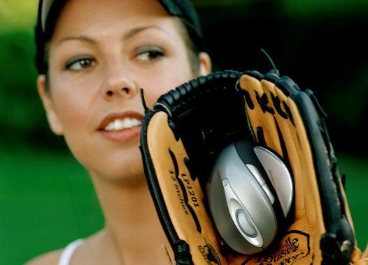 Vinn baseball-sett fra Microsoft (NB: kvinnen i bakgrunnen medfølger ikke)