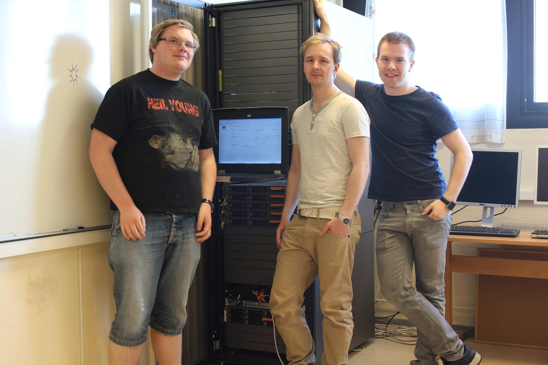 Disse gutta lagde en OpenStack-skyløsning sm bachelor-oppgave. Fra venstreLars Erik Pedersen, Jon Arne Westgaard og Hallvard Westman .Foto: Maria Lillemoen, HiG