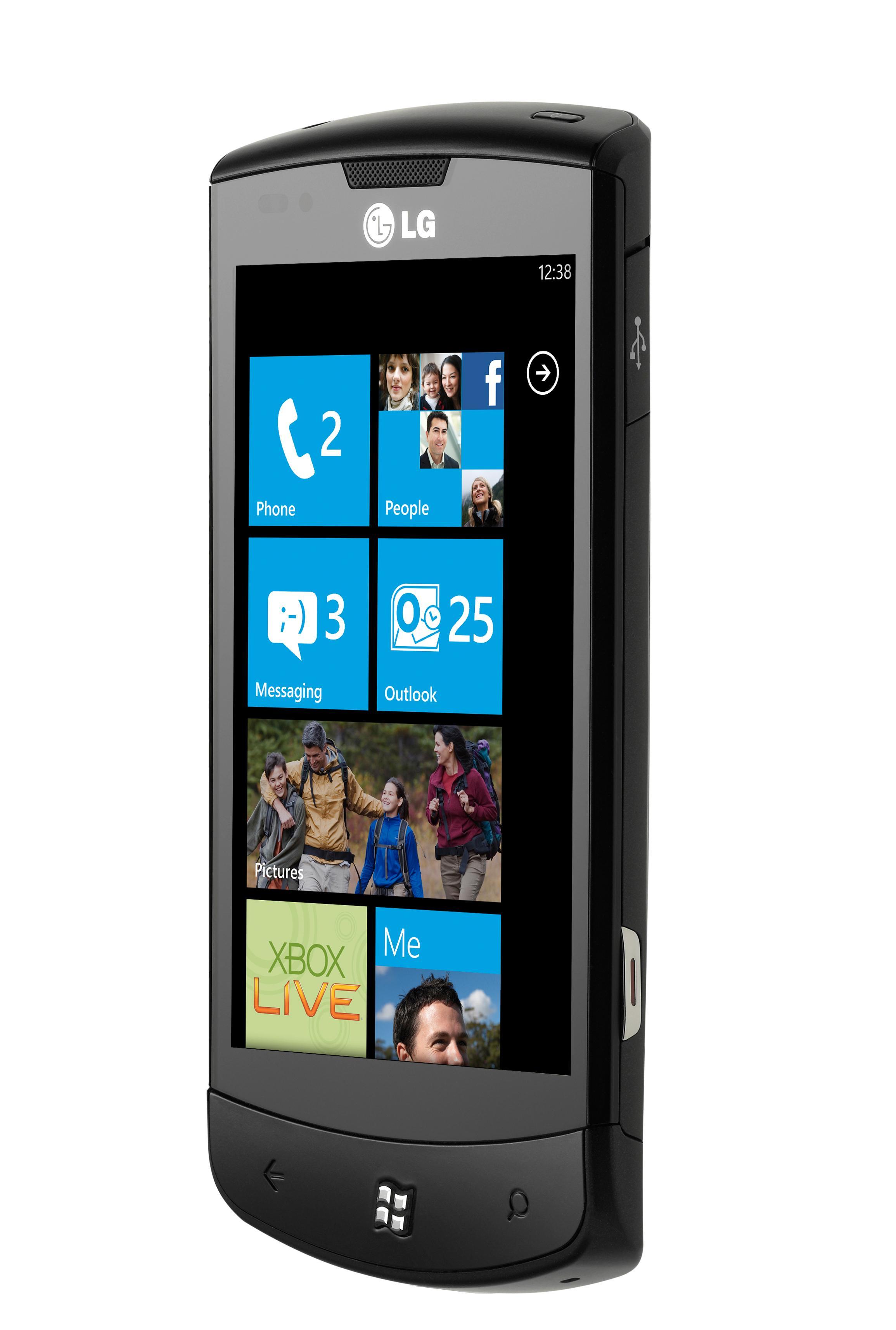 LG Optimus 7 kjører Microsofts operativsystem Windows Phone.