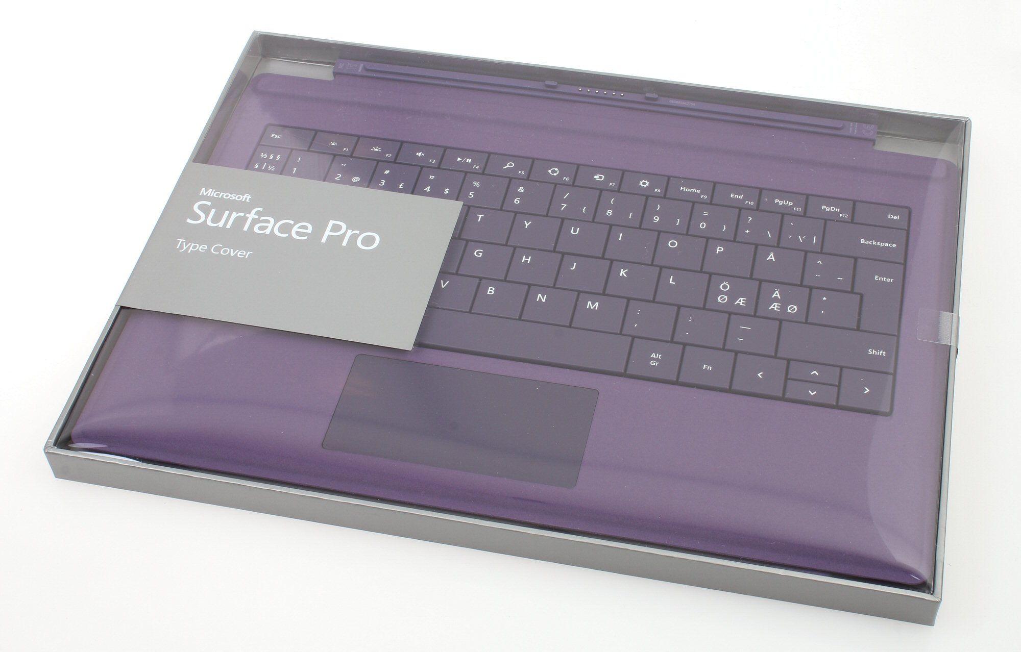 For å virkelig kunne bruke Surface Pro 3 skikkelig trenger du et tastaur. Det nye Pro Type Coveret er det eneste du som passer i skrivende stund, men til gjengjeld får du den i fem forskjellige farger.Foto: Vegar Jansen, Hardware.no