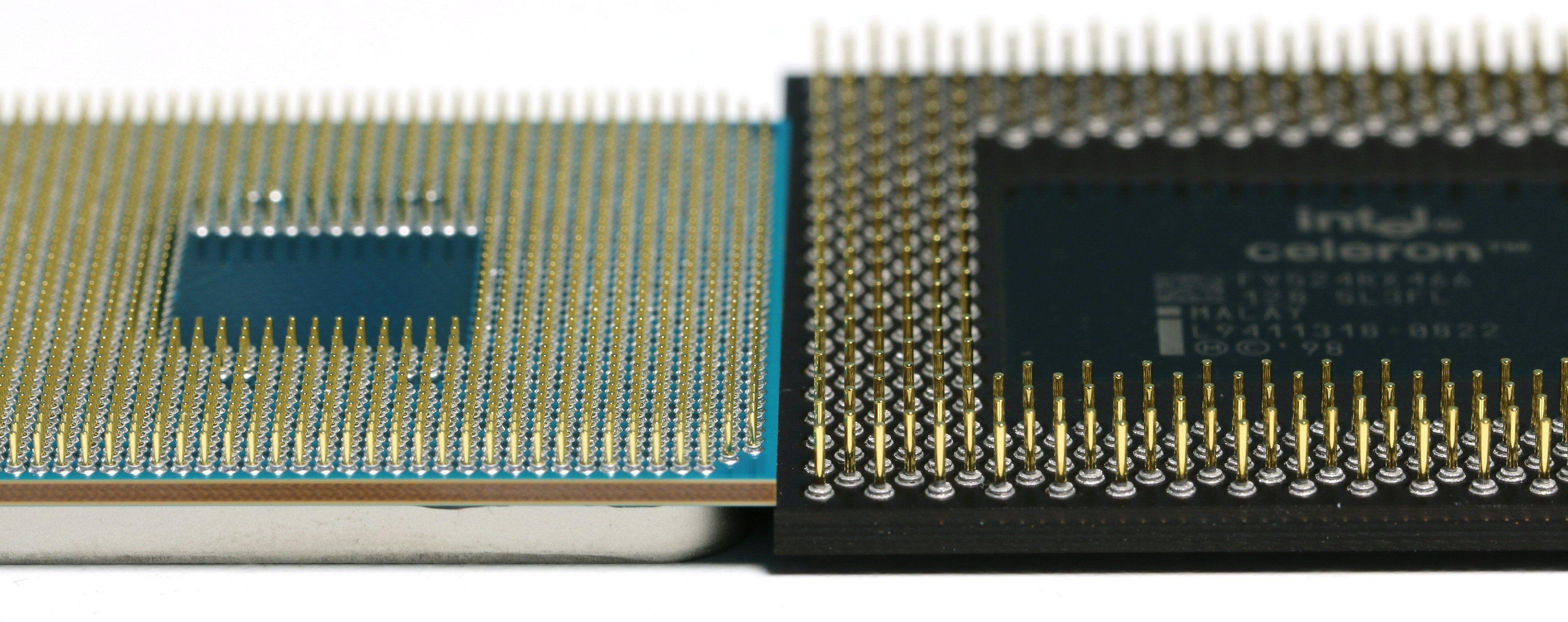 Pinnene pakkes litt tettere på nye AMD Ryzen enn på den gamle Celeron-prosessoren lagd for Socket 370.