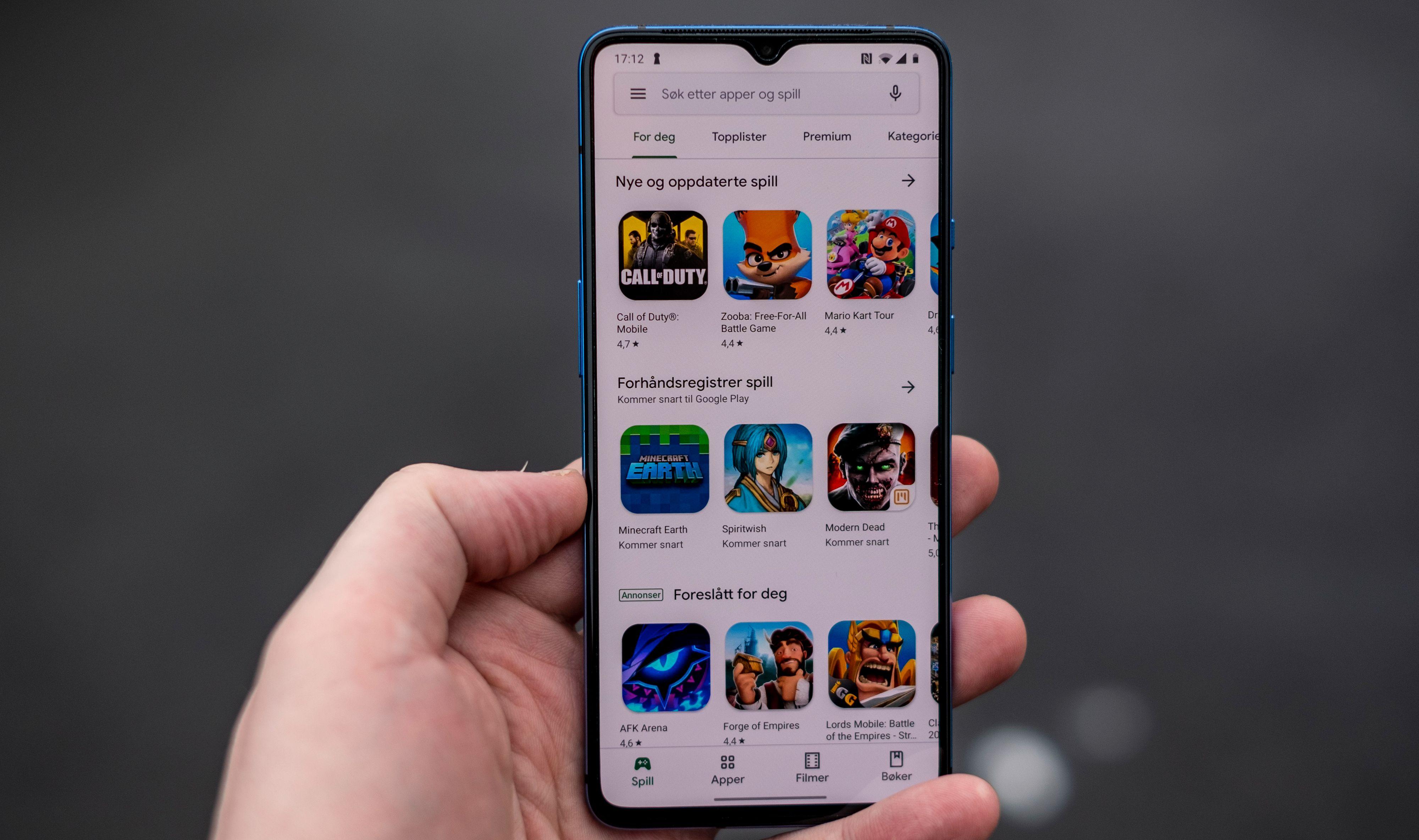 Busslommen på toppen av telefonen er en av de mest synlige forskjellene på OnePlus 7T og 7T Pro.