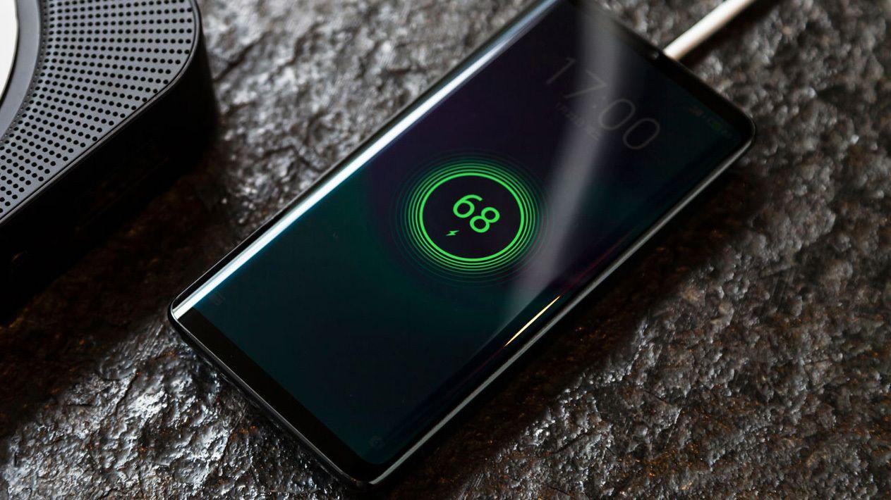 Meizu har laget en keramisk telefon helt uten åpninger