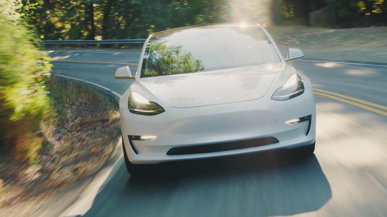 Model 3 har vært en stor suksess for Tesla