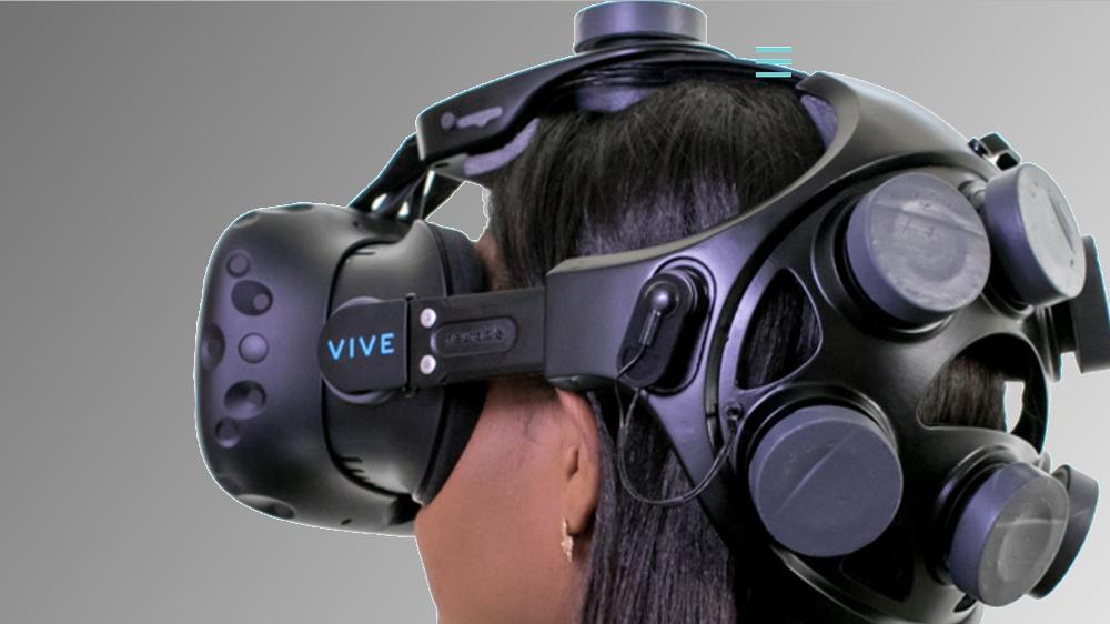 Denne lar deg kontrollere VR-omgivelsene kun med hjernesignaler